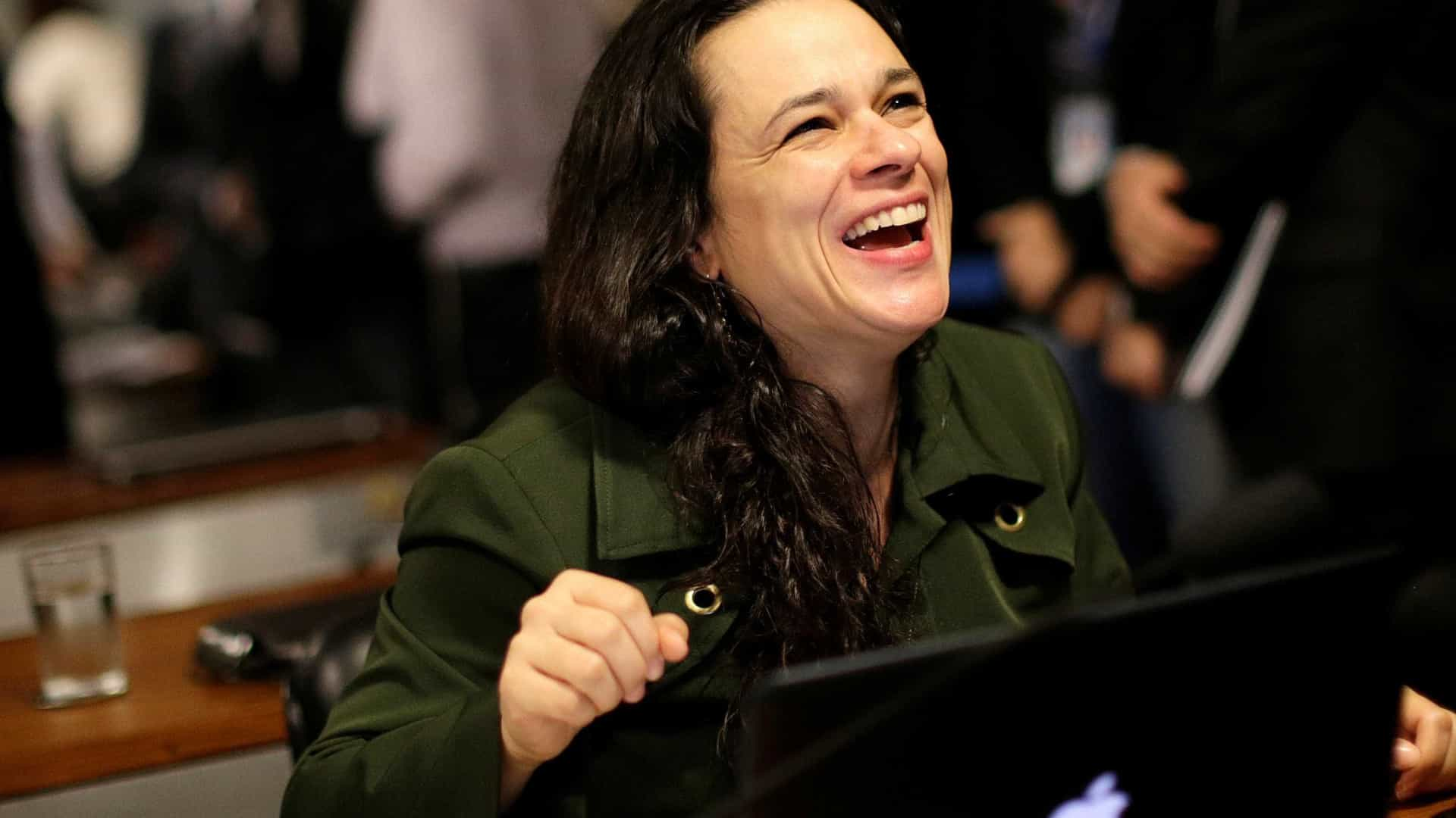Recordista de votos, Janaina abraça de Moro a feminismo