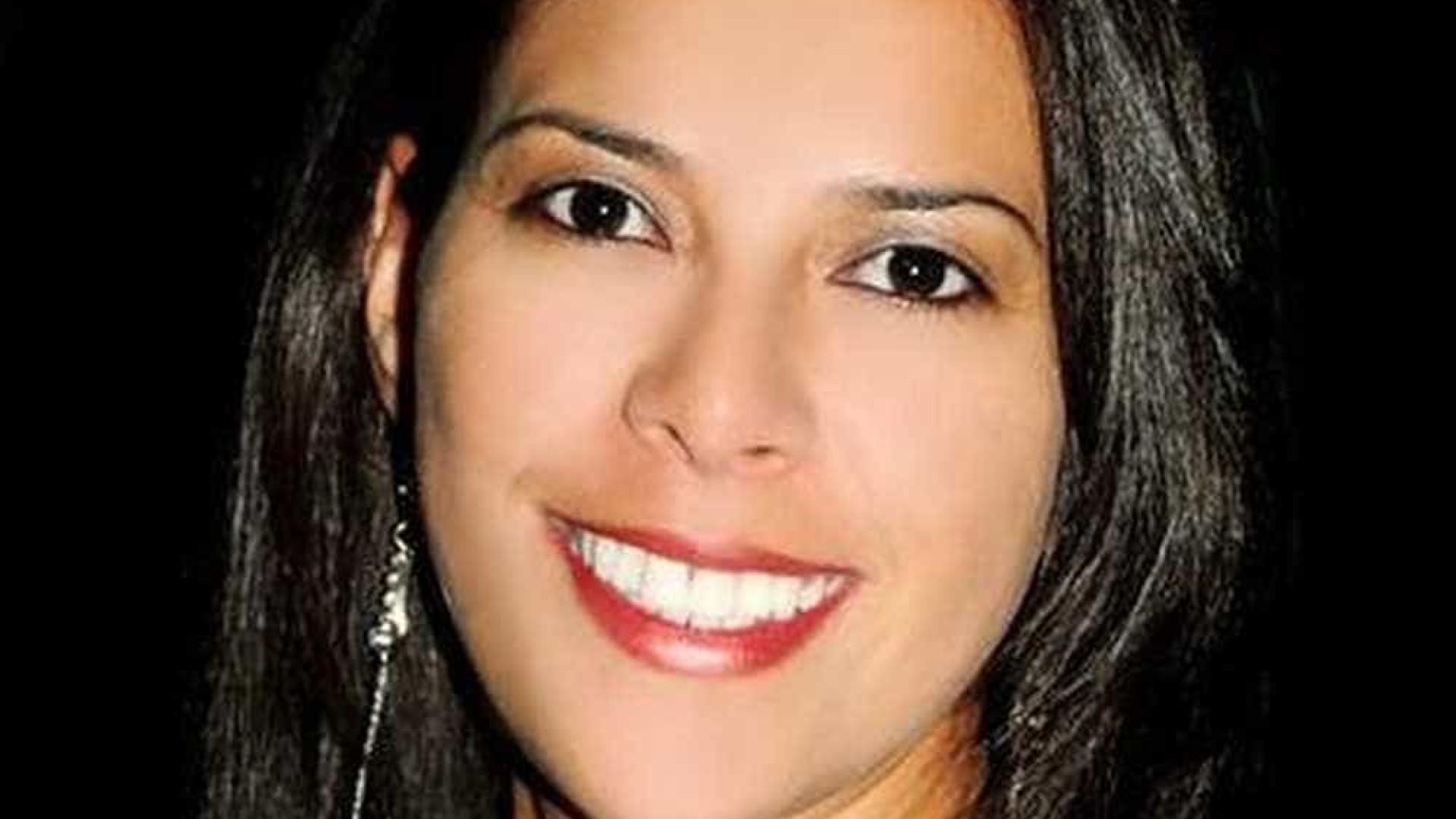 Servidora é encontrada morta a facadas na cama; ex-marido é suspeito