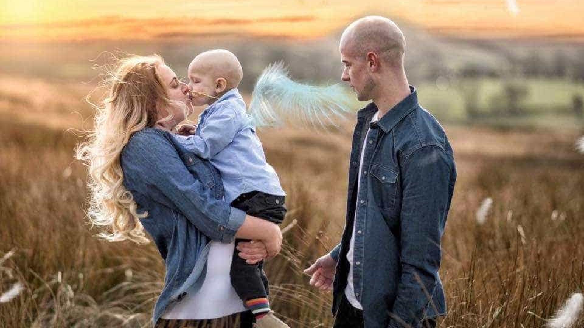 Menino de 5 anos pede desculpas à mãe ao morrer de câncer