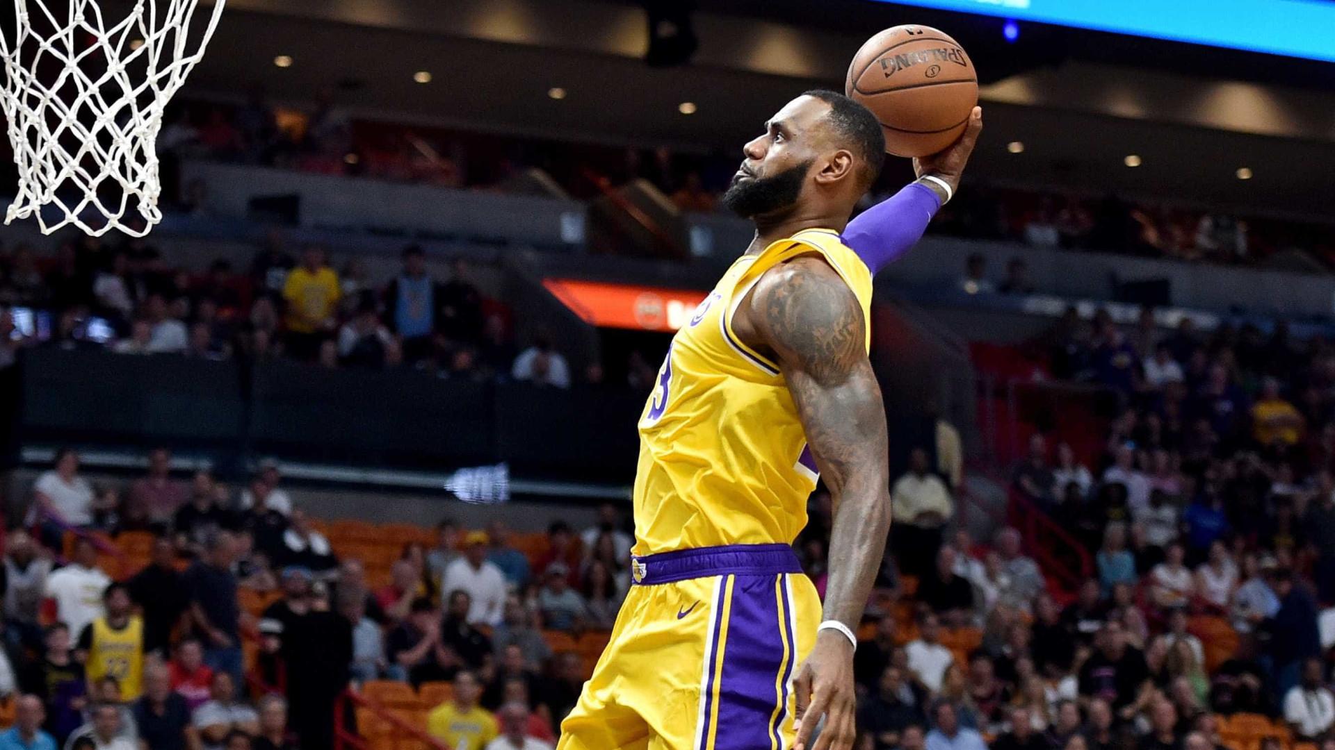 LeBron brilha e marca 51 pontos diante do Heat; Warriors perde mais uma