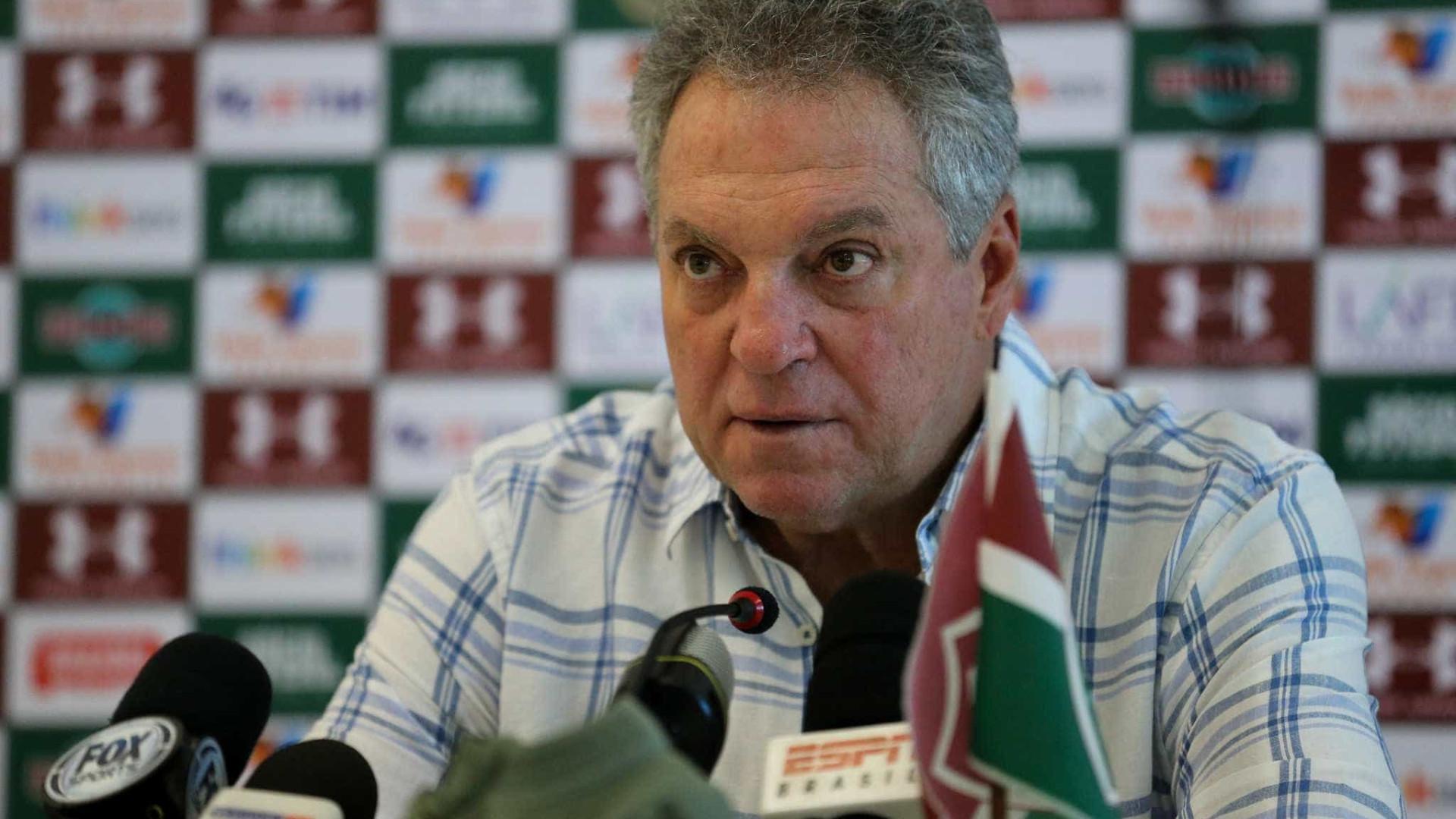 Santos oferece R$ 780 mil mensais a Abel e aguarda resposta