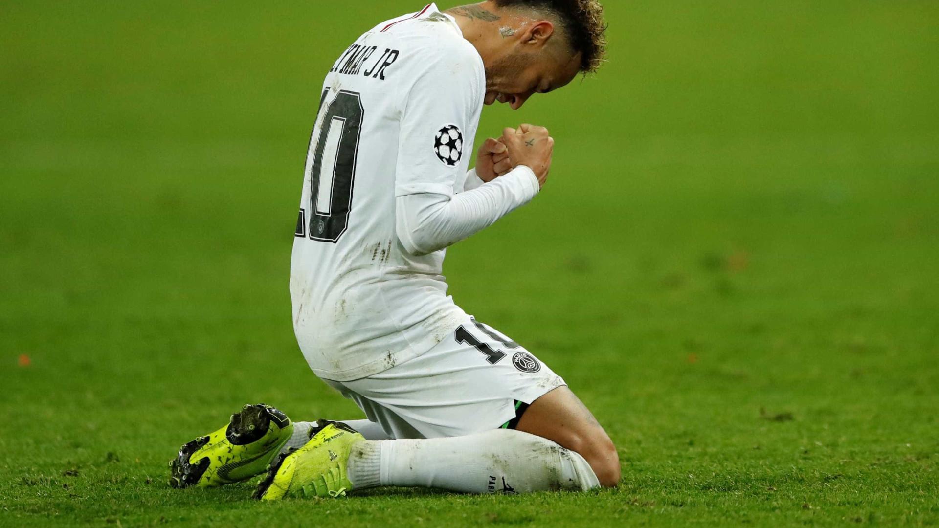 PSG bate Liverpool e só depende de si para avançar; Napoli vence