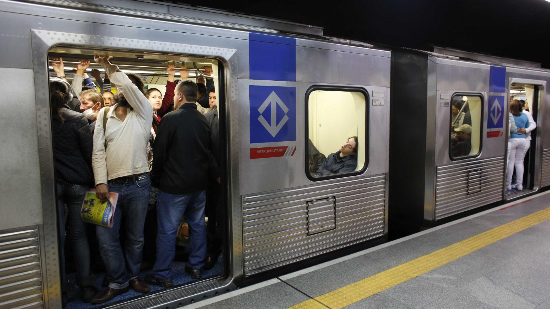 Campanha chama a atenção de usuários do metrô para educação