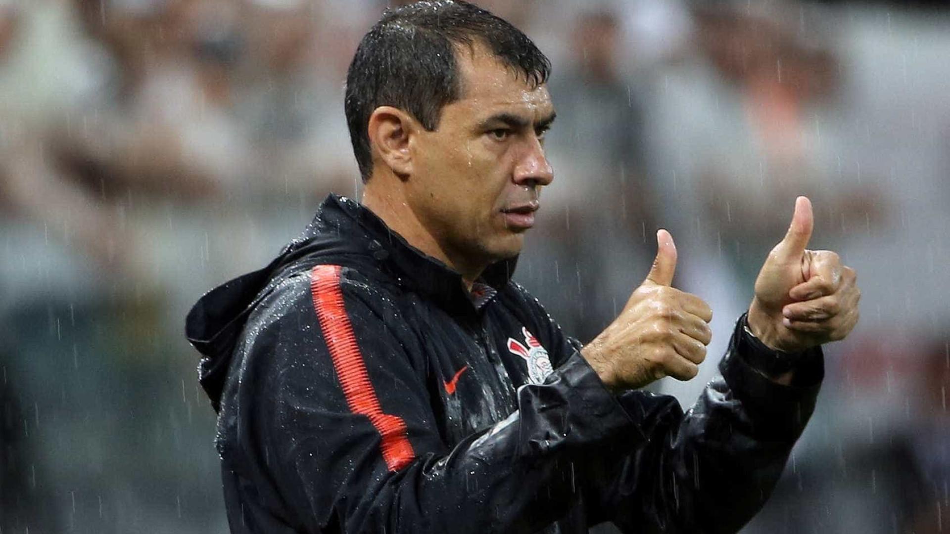 Carille se acerta com Corinthians e negocia rescisão com clube árabe