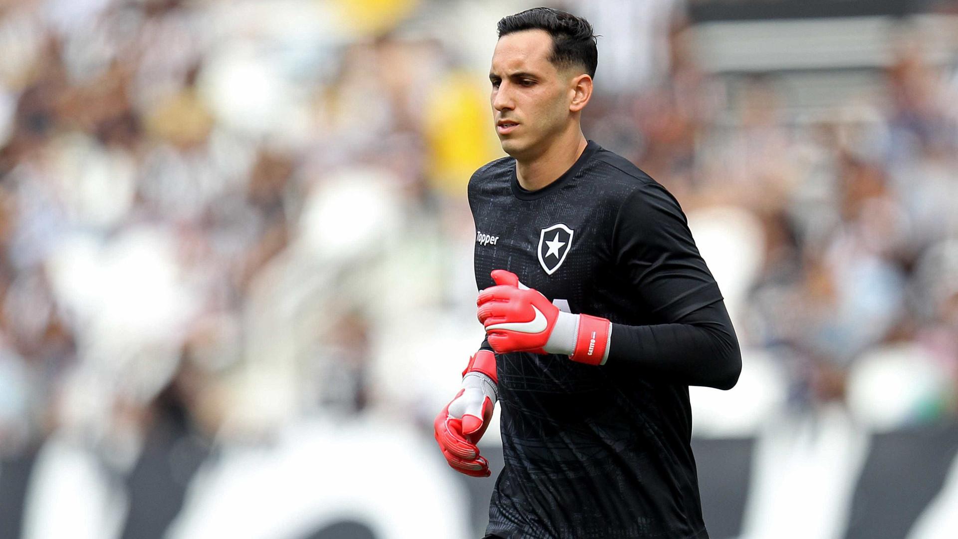 Flamengo quer tirar goleiro Gatito do Botafogo