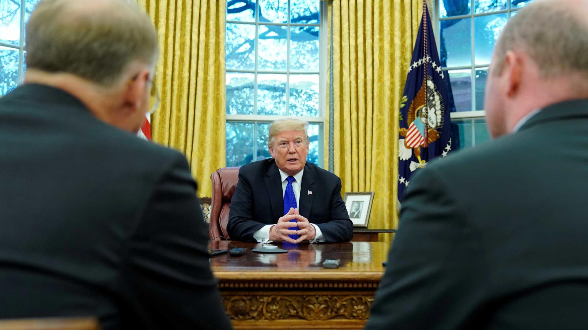 Trump ameaça paralisar governo se democratas vetarem muro no México