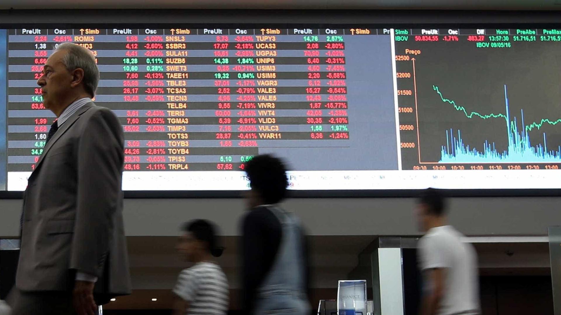Em reação à nova equipe econômica, dólar cai e Bovespa sobe