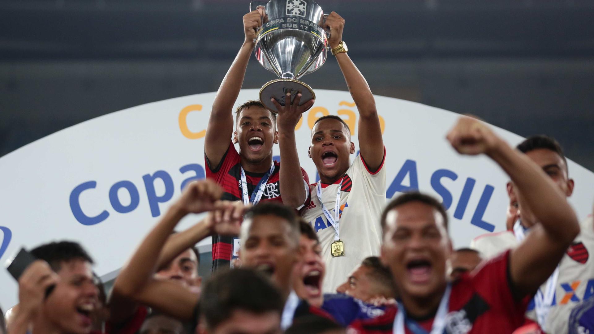 Fla supera surto de caxumba e é campeão da Copa do Brasil Sub-17