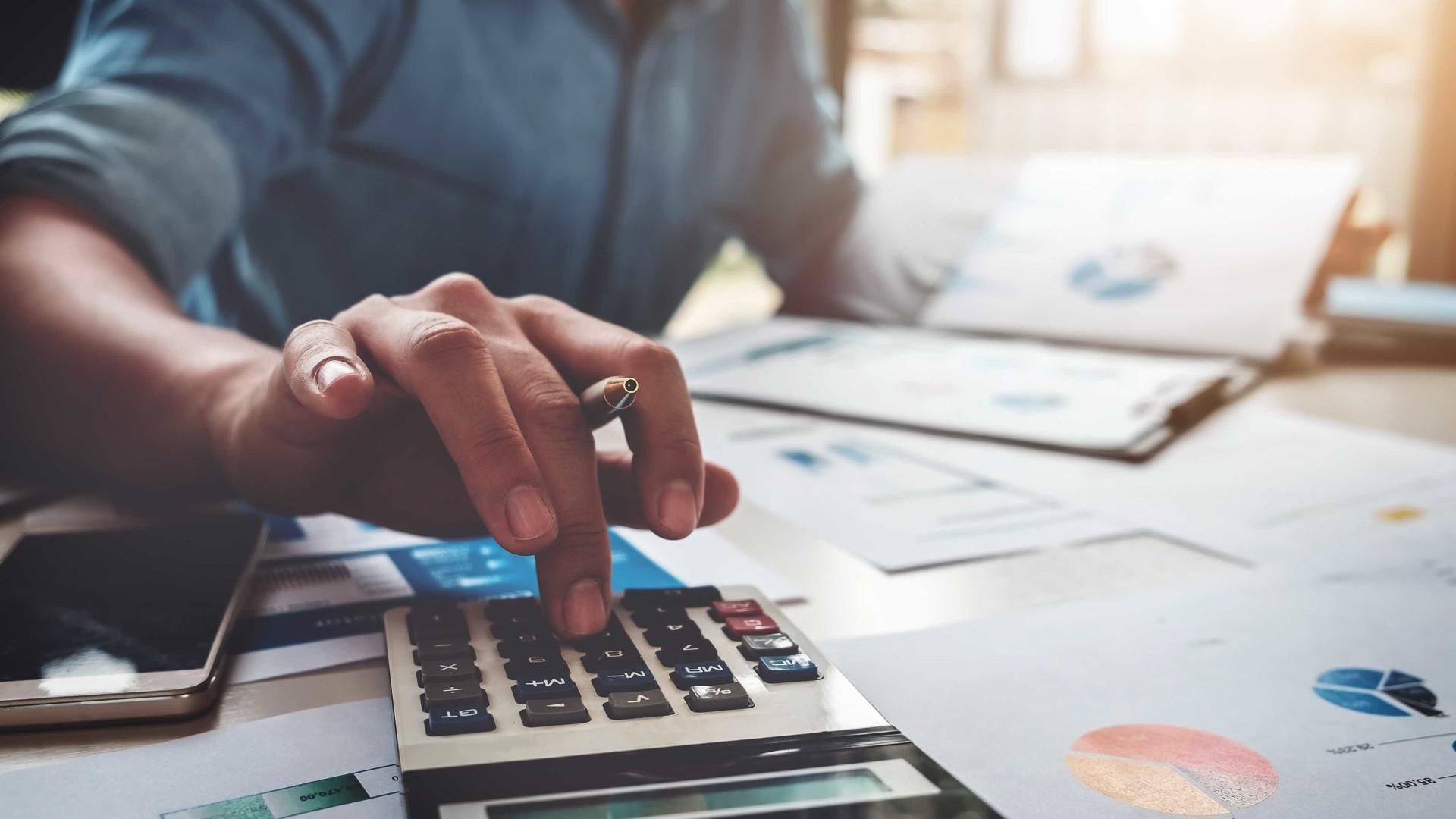 Contas de começo de ano podem até triplicar os gastos do mês de janeiro