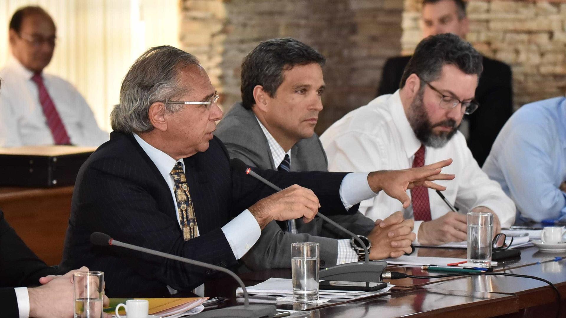 Guedes anuncia novos nomes para secretarias