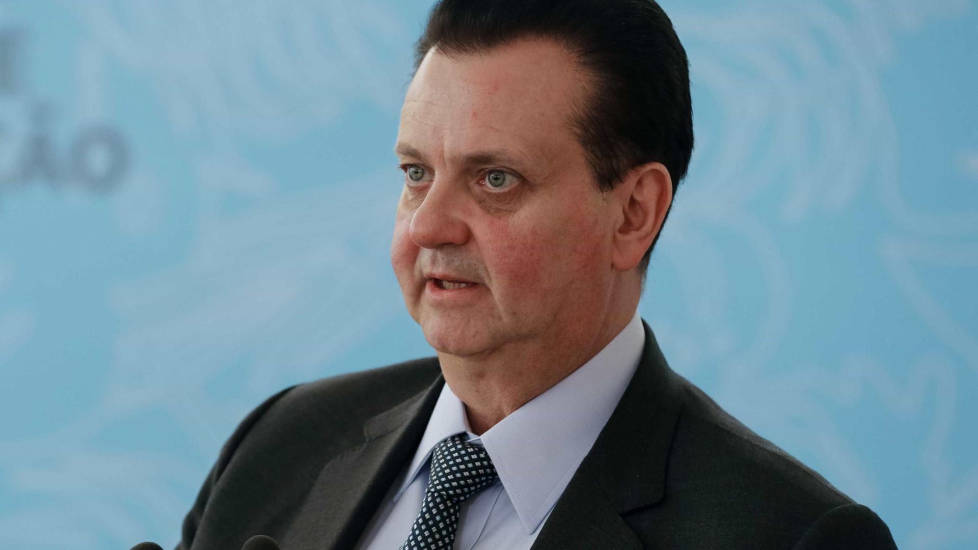 PF cumpre mandados de buscas na casa de Kassab, ministro de Temer