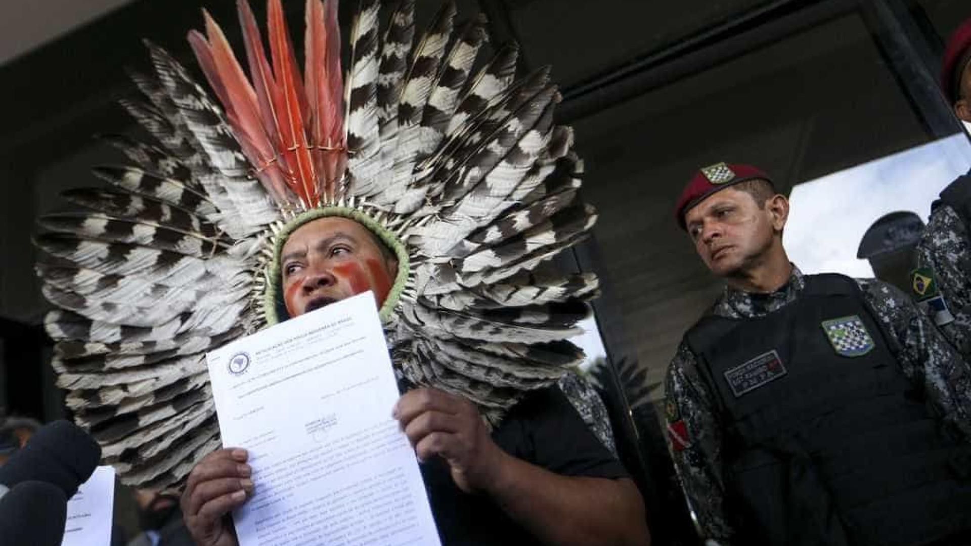 Indígenas tentam reunião com Bolsonaro para pedir Funai na Justiça