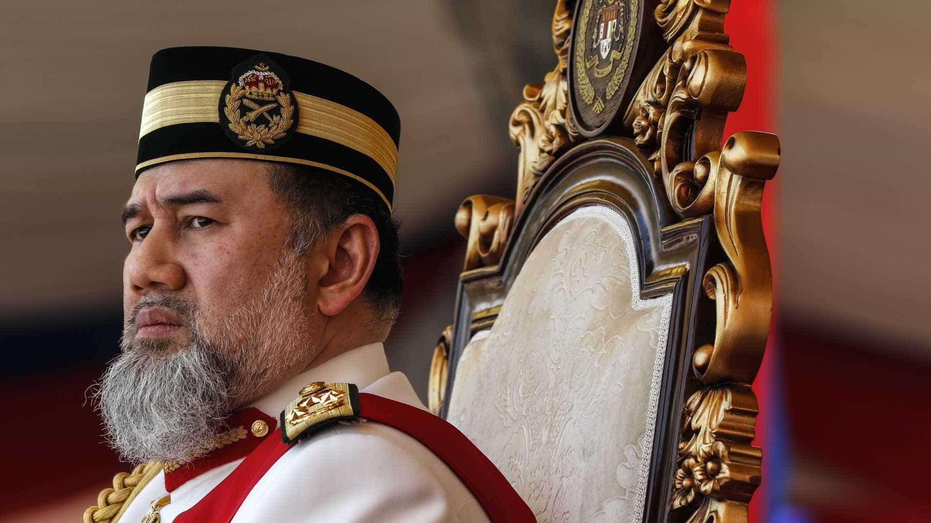 Rei da Malásia abdica em meio a rumores de casamento com ex-miss