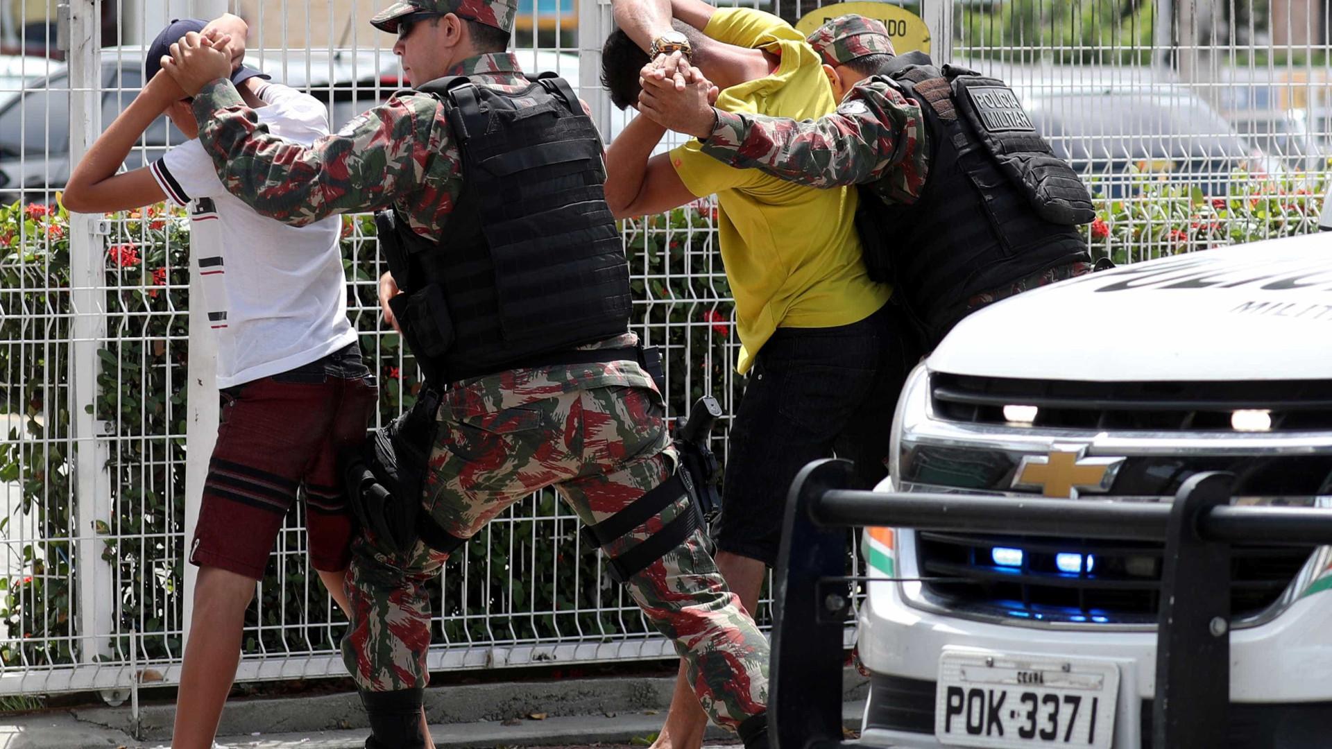 """""""Estão reagindo à aplicação da lei"""", diz secretário sobre ataques"""