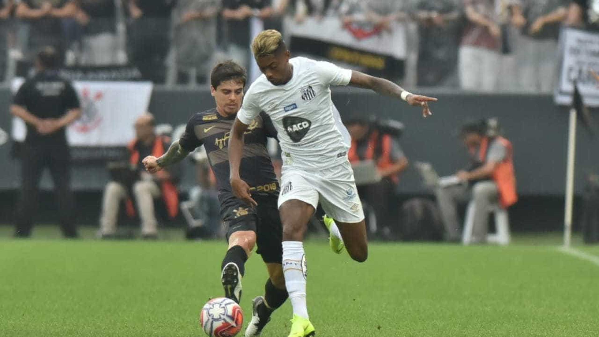 Alvo de Cruzeiro e Fla, Bruno Henrique despista sobre sair do Santos