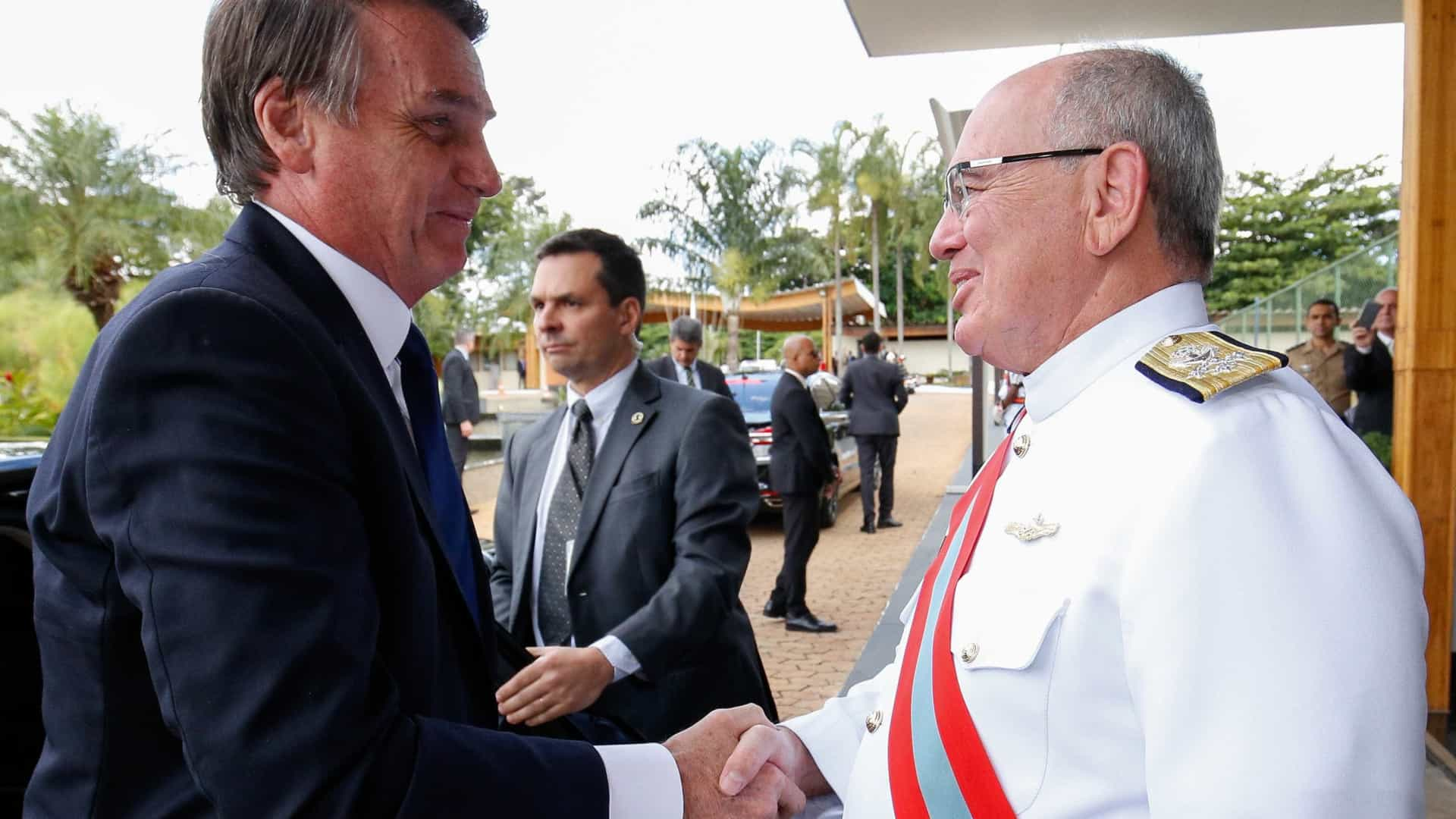 Almirante vai presidir conselho de administração da Petrobras