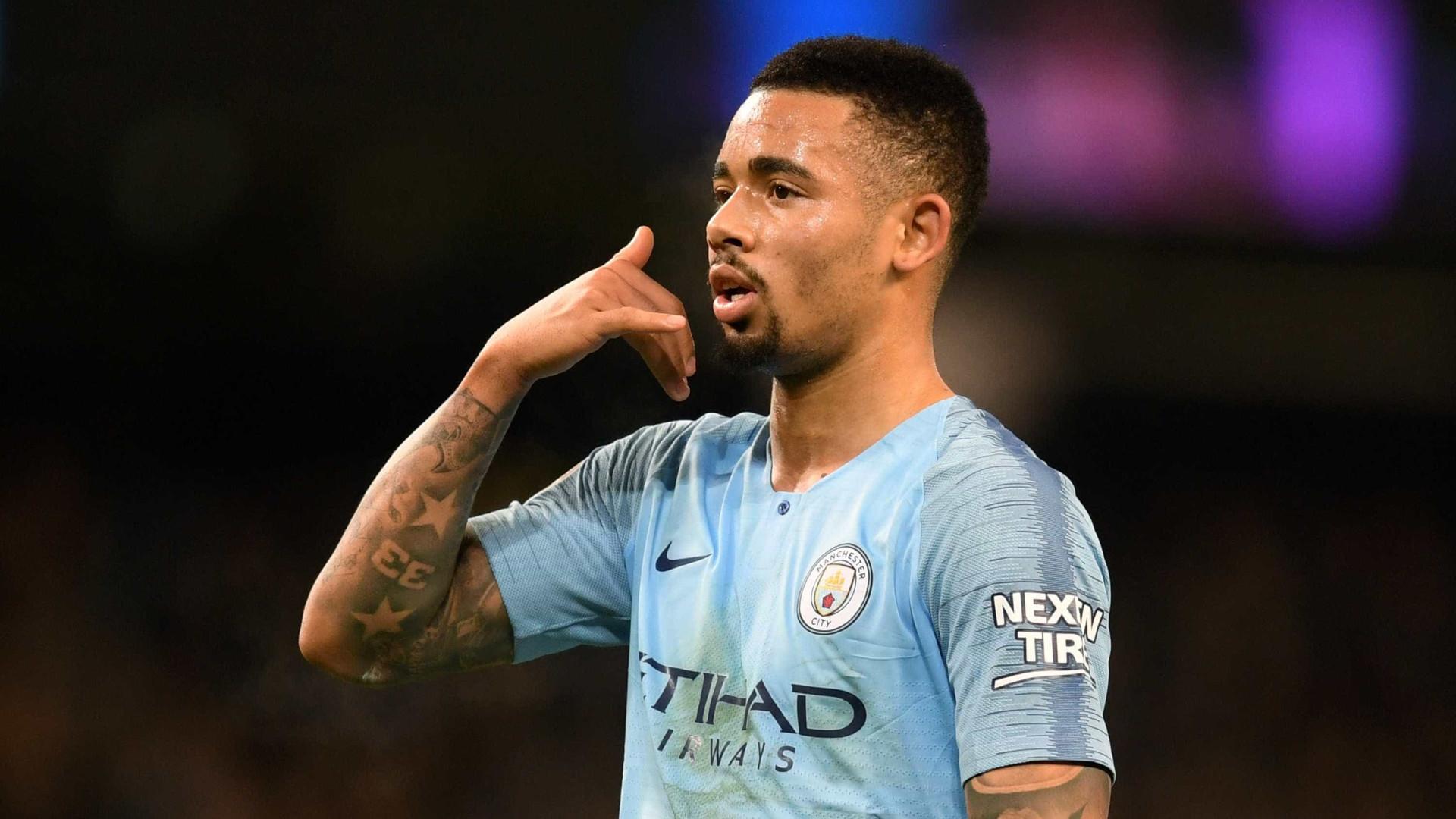 Com dois gols de Jesus, City vence e mantém perseguição ao Liverpool