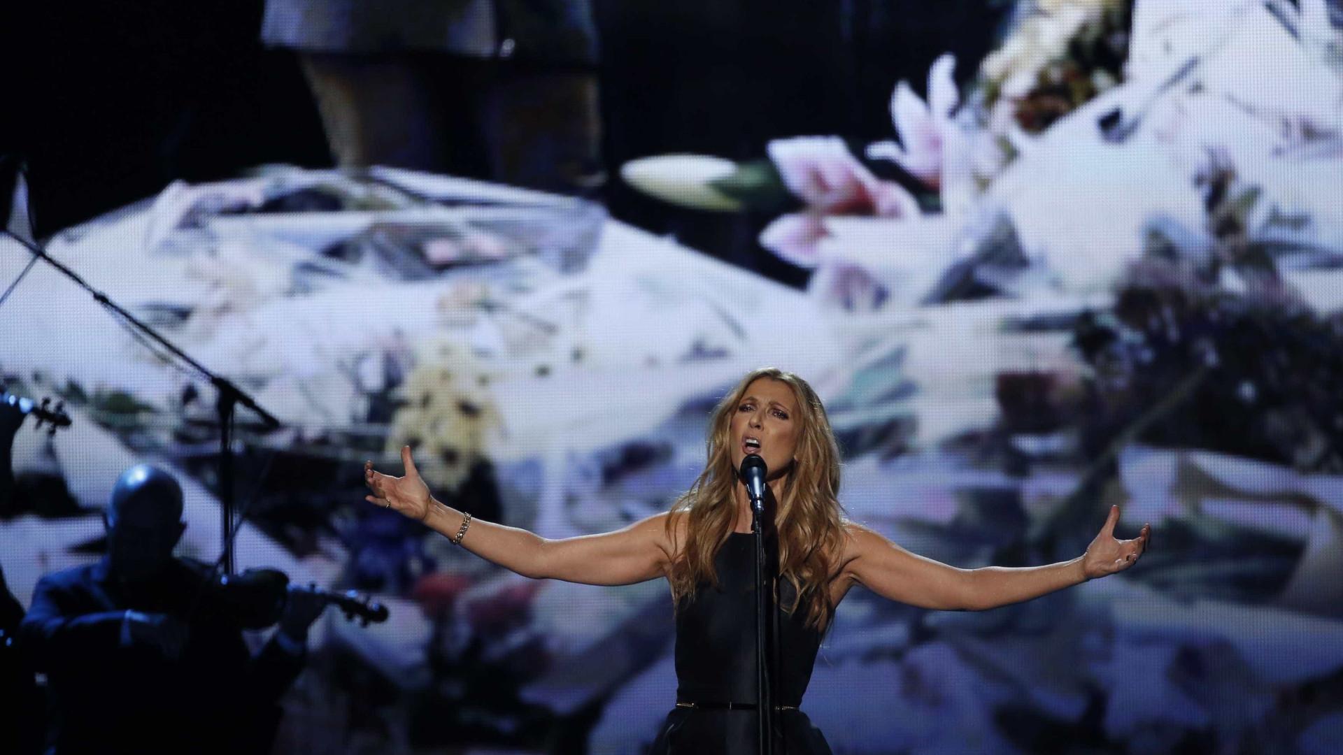 Céline Dion manda retirar música com R. Kelly de canais de streaming