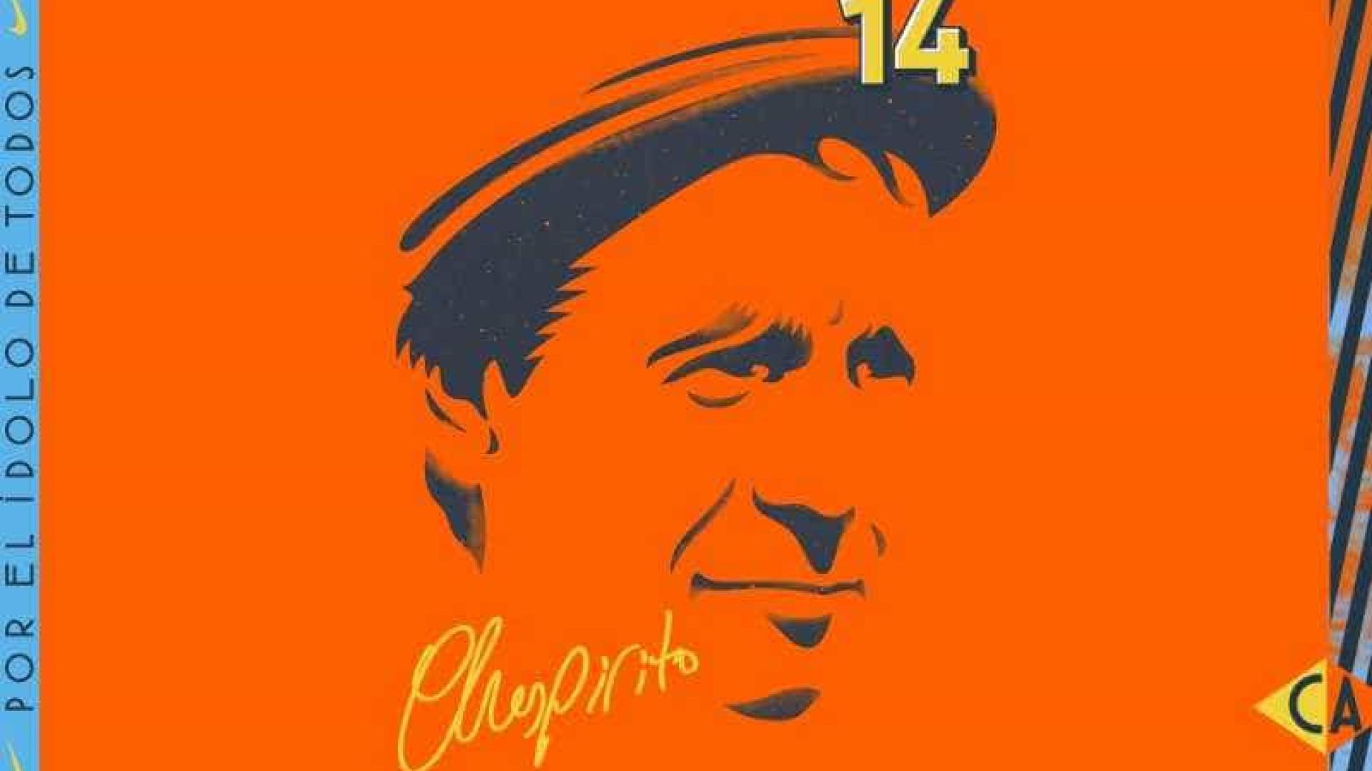 Criador do seriado Chaves é homenageado em novo uniforme do América