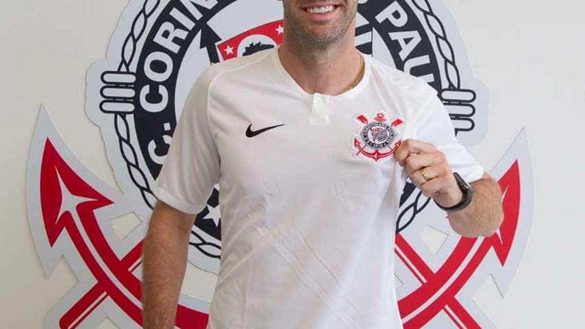 Com Boselli, Corinthians tenta substituir Jô