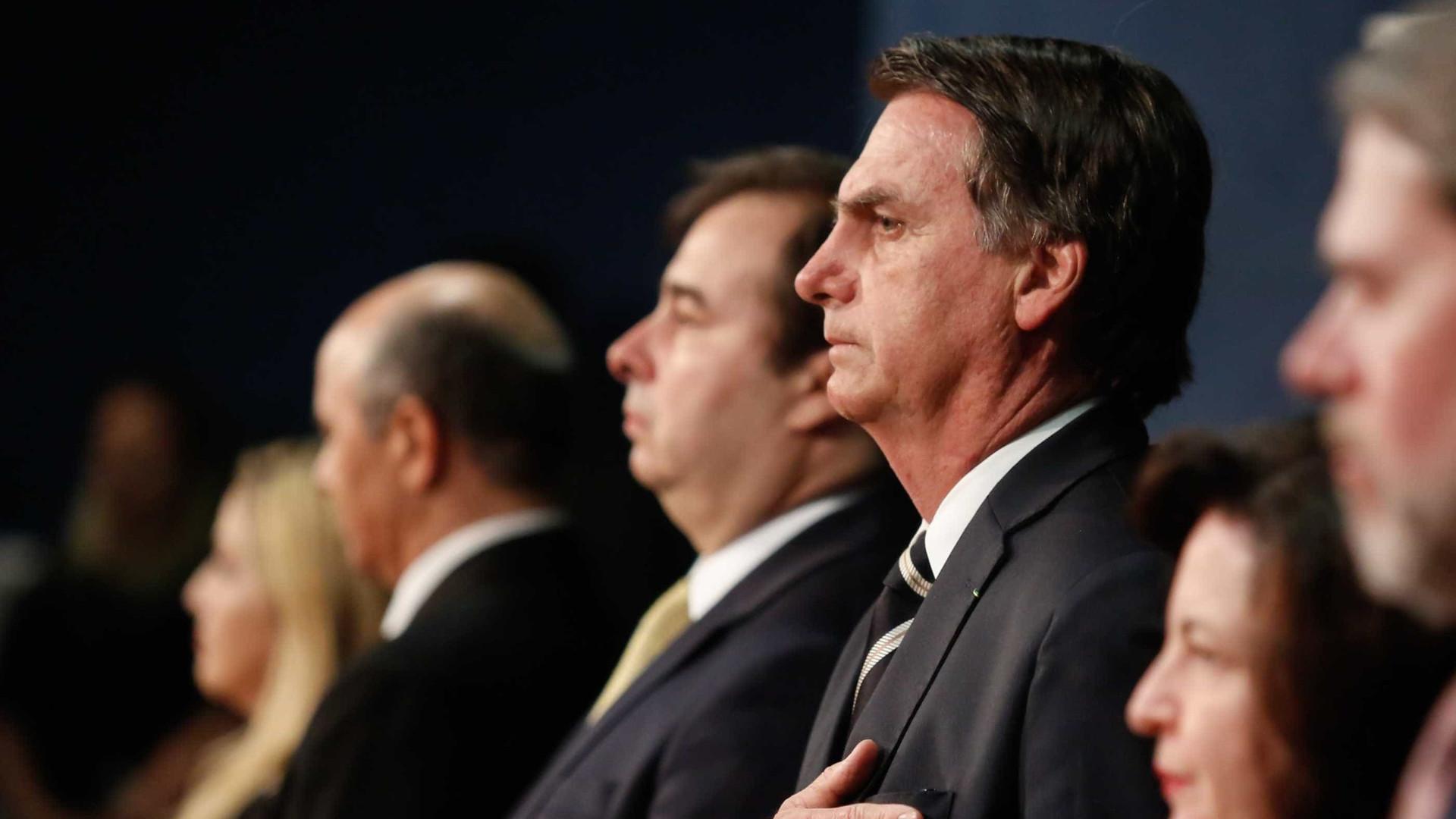 'Collor é candidato?', pergunta Bolsonaro a Maia em bilhete