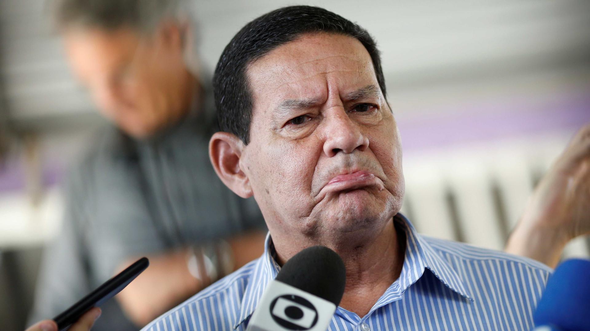 Mourão será 'emparedado' por militares com atuação no governo