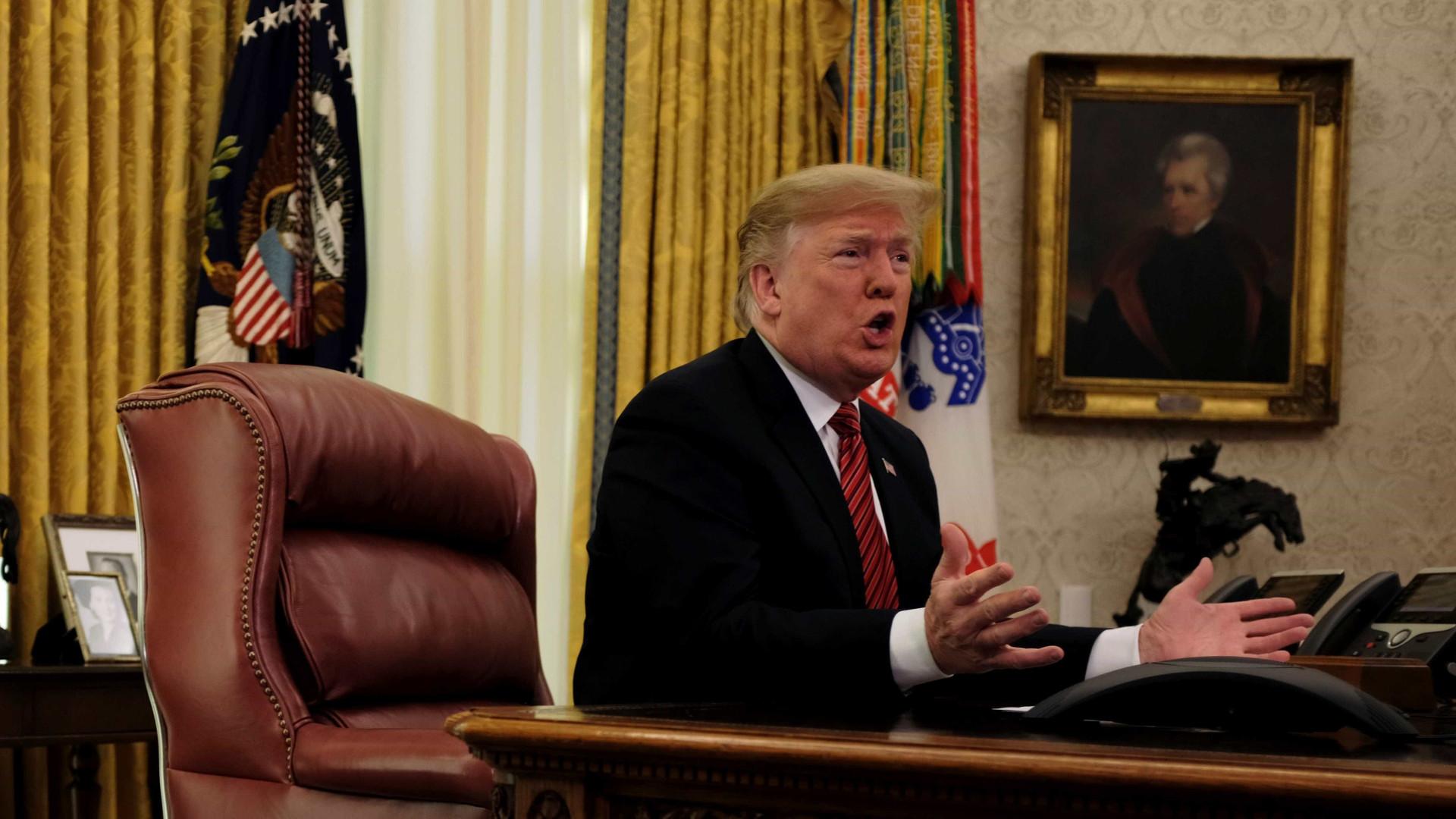 Trump mantém paralisação parcial do governo até acordo sobre muro