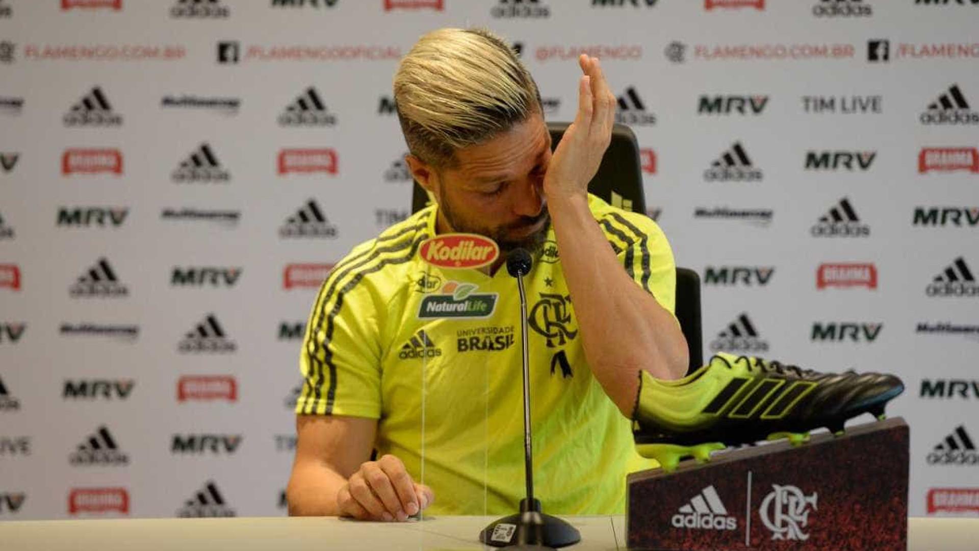 Diego vai às lágrimas ao falar sobre tragédia do Flamengo; confira