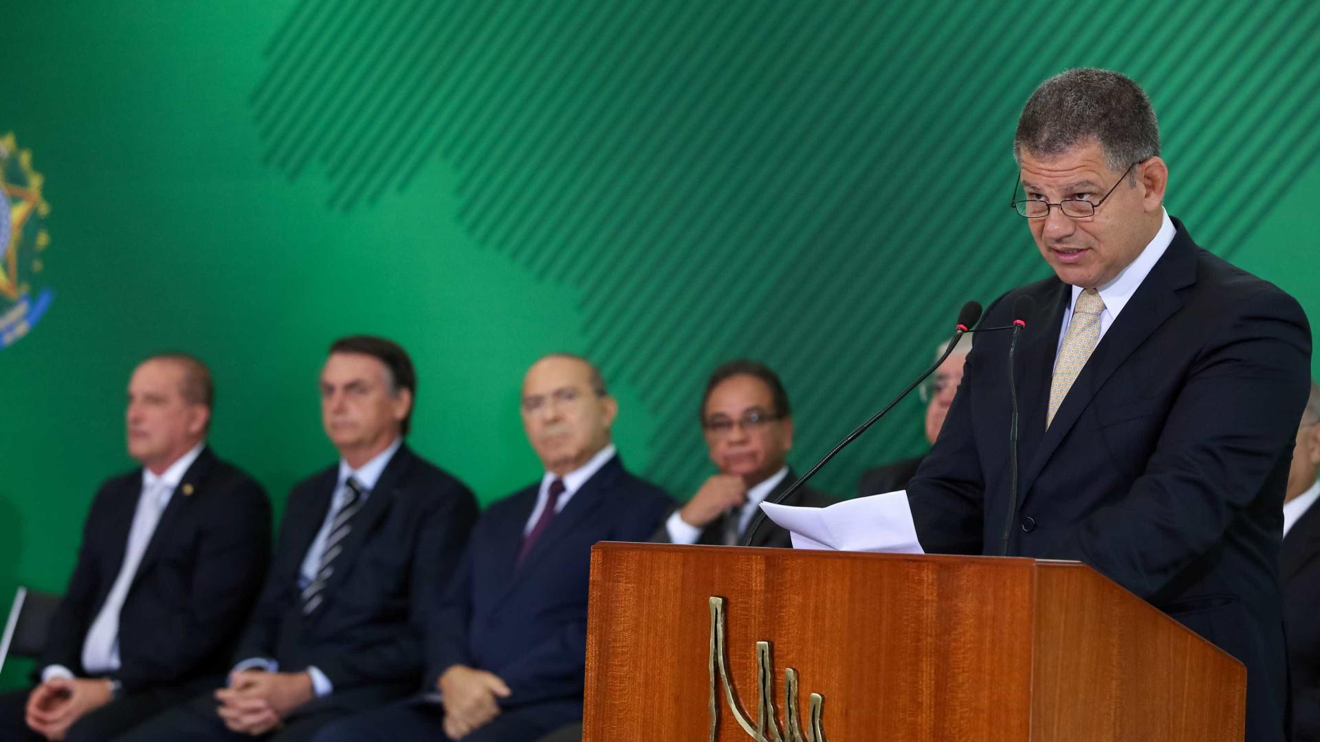 Bebianno diz que se arrependeu de apoiar Bolsonaro: 'Fraco'