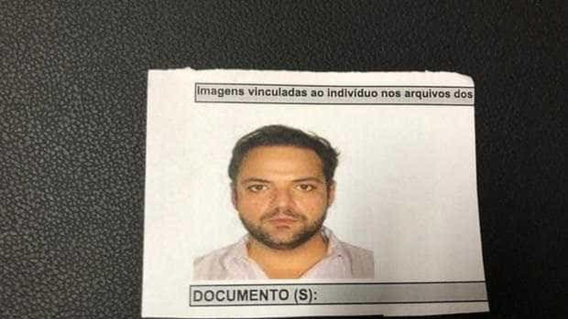 Médico é preso acusado de filmar partes íntimas de 105 pacientes