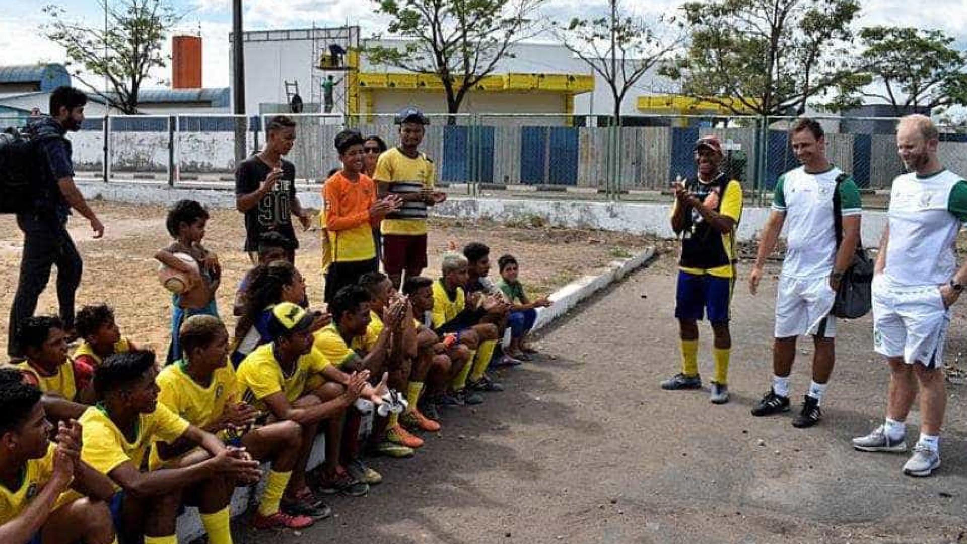 Ações de clubes levam um pouco de alegria aos refugiados venezuelanos