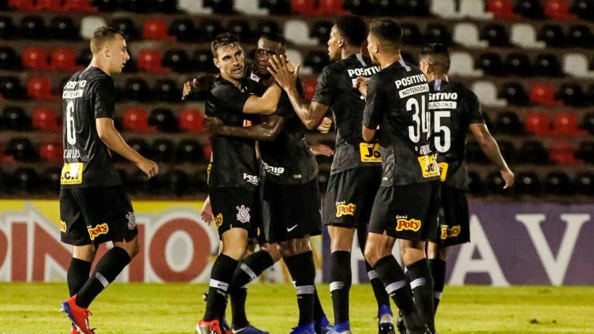 Boselli faz 1º gol pelo Corinthians e garante vitória contra o Botafogo