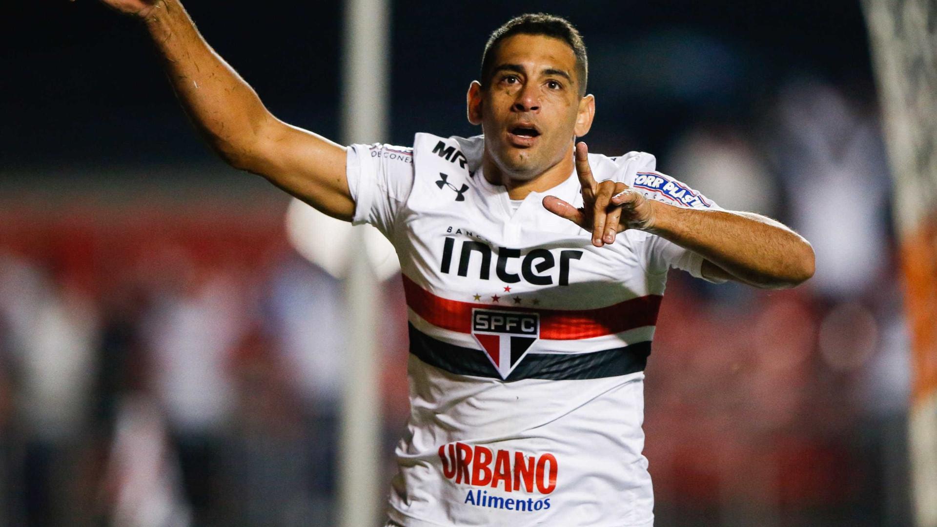 Botafogo tem acerto com Diego Souza, mas São Paulo promete jogo duro