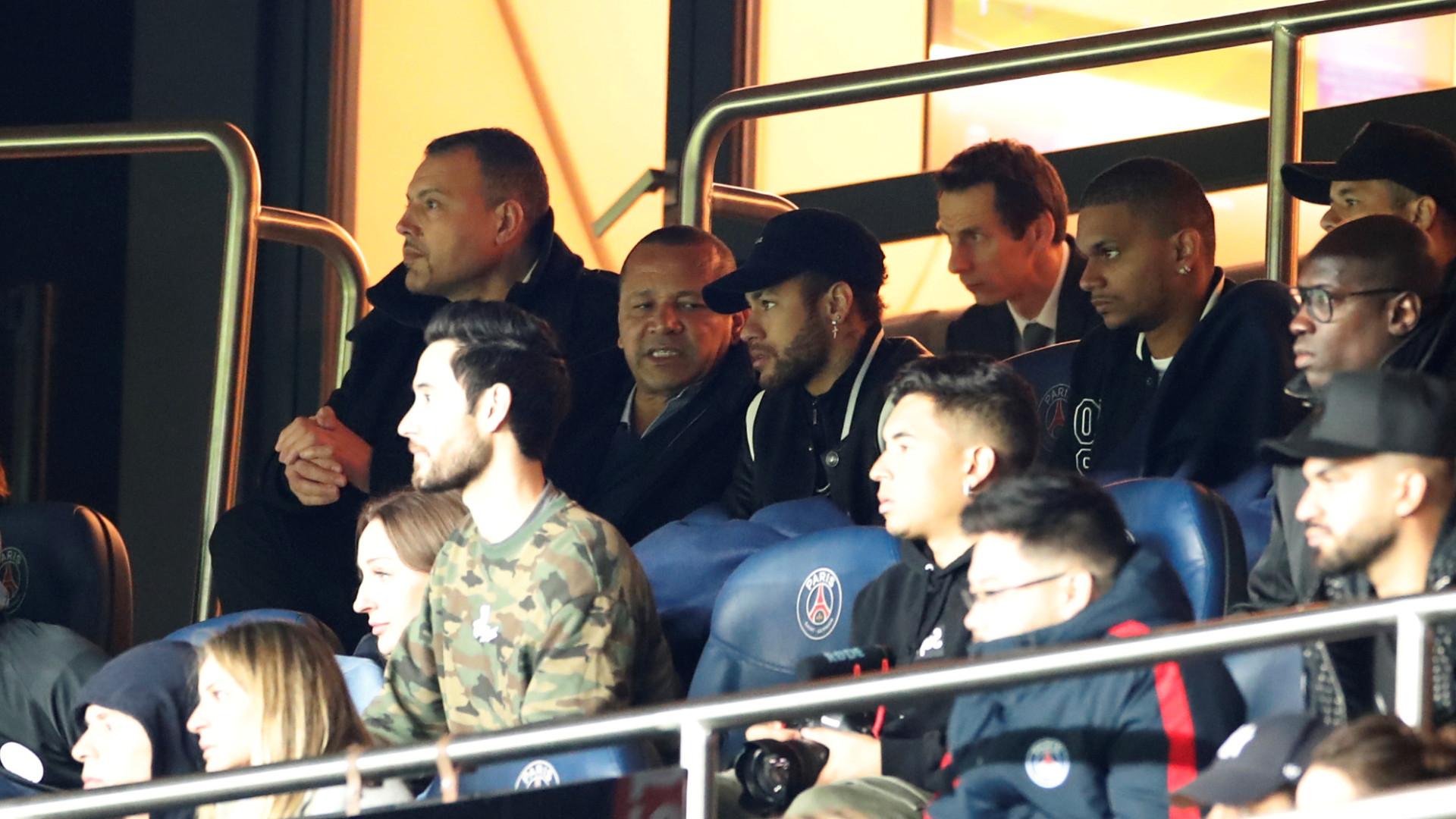 Pai de Neymar e Eric Cantona quase brigaram após queda do PSG