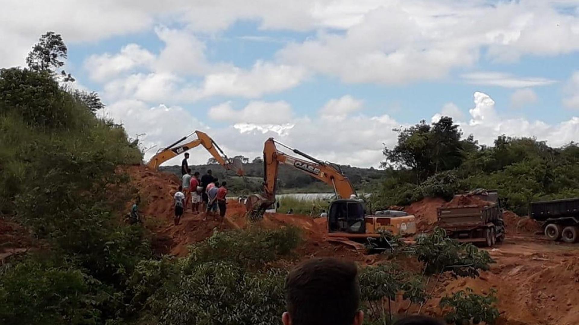 CE: famílias são retiradas de casa por risco de rompimento de barragem