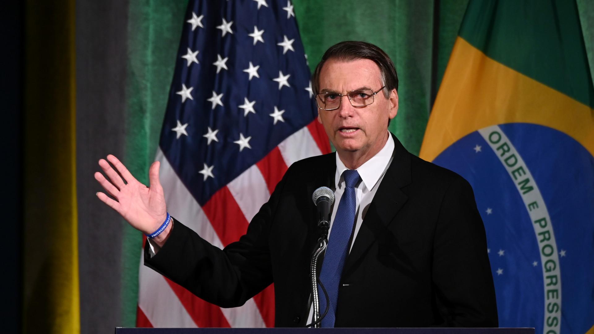 Nos EUA, Bolsonaro diz que é preciso resolver 'questão da Venezuela'