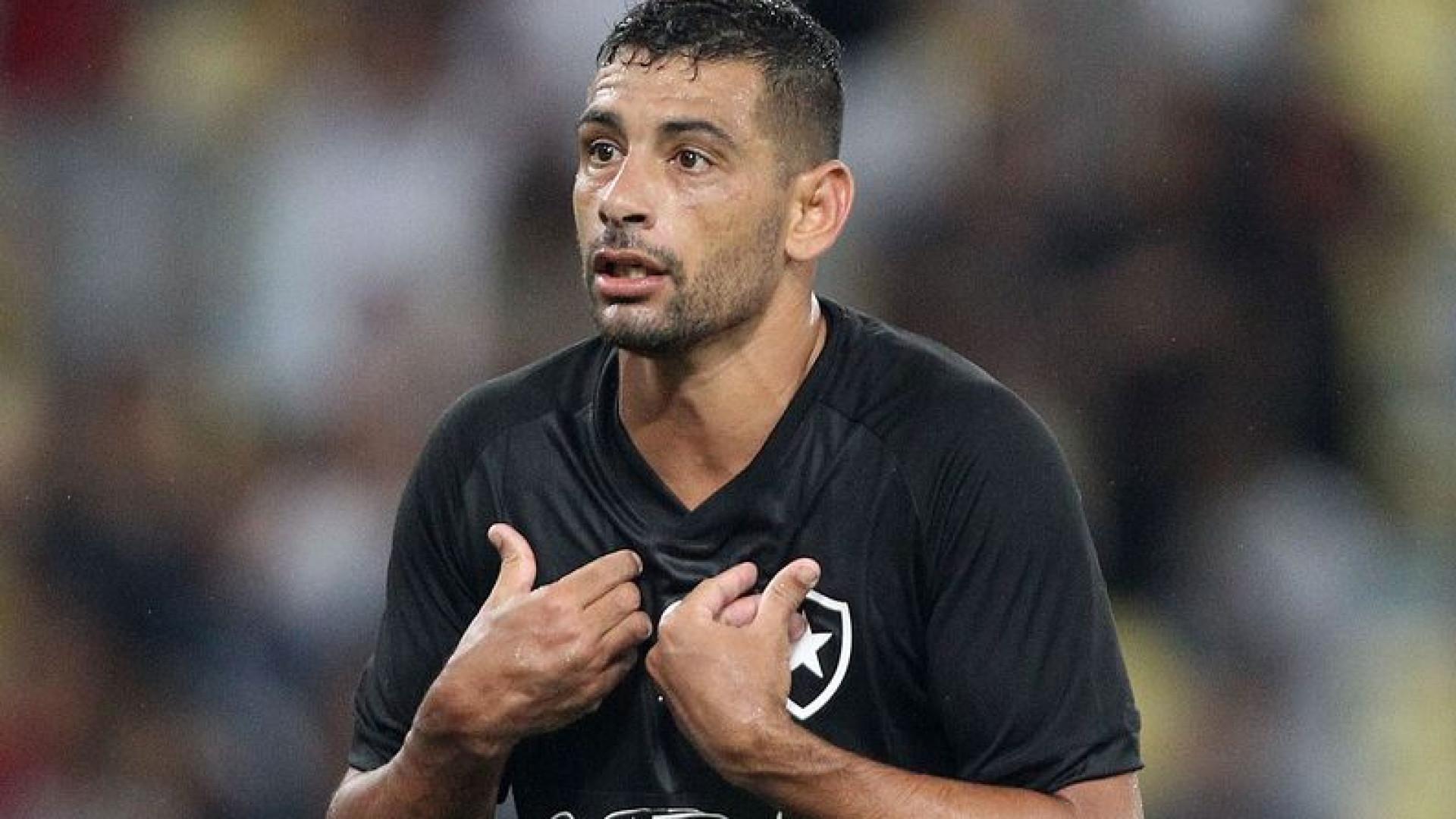 Botafogo evita 'desistir' do Carioca, mas pode atuar já eliminado