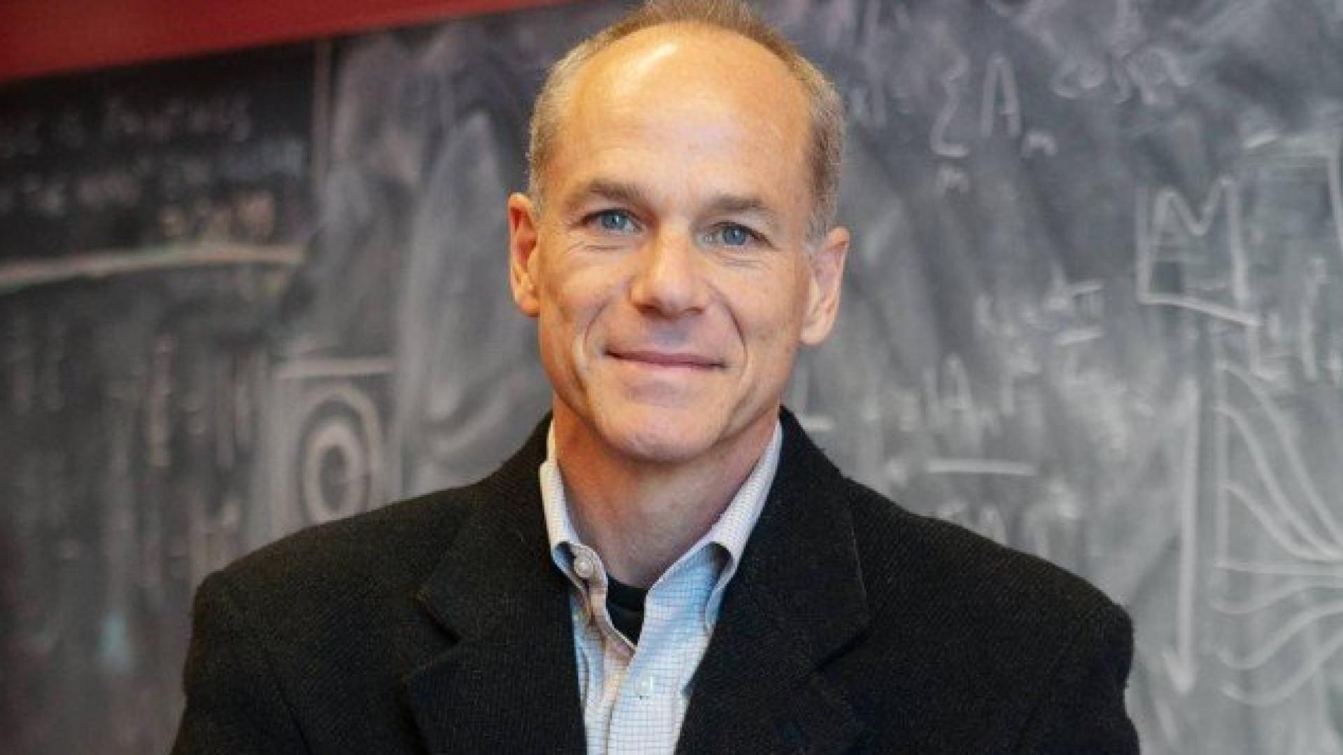 Cientista brasileiro recebe prêmio 'Nobel da espiritualidade'
