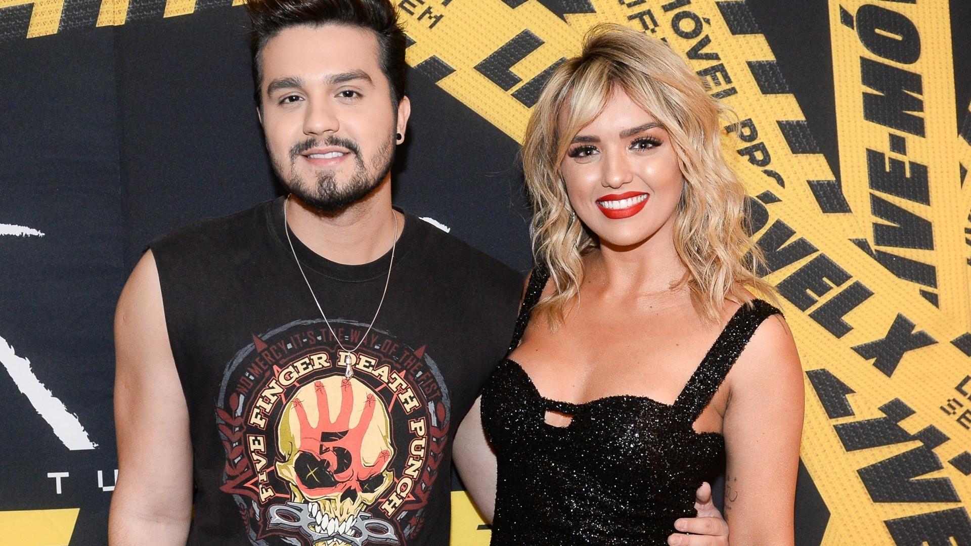 Ao lado da namorada, Luan Santana celebra 28 anos com show em SP