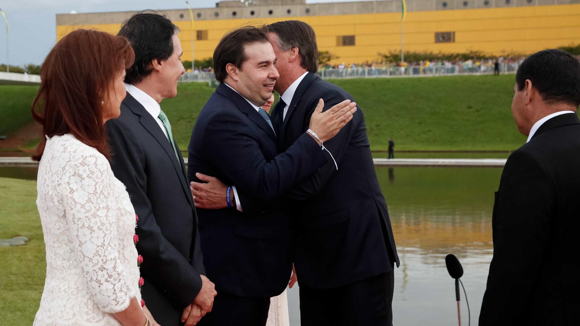 Bolsonaro precisa de menos rede social e mais Previdência, diz Maia