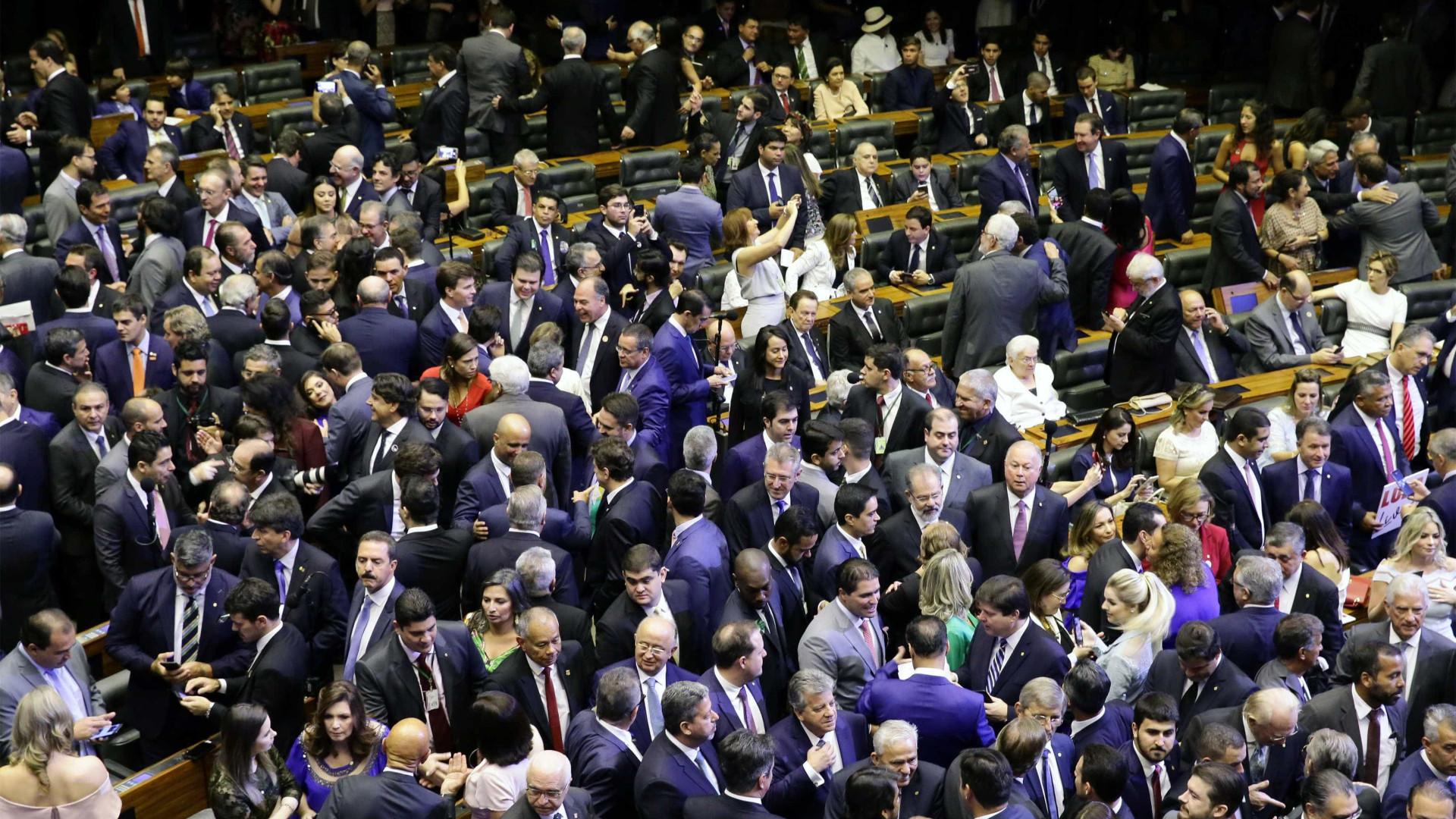 Bancadas temáticas na Câmara silenciam sobre reforma da Previdência