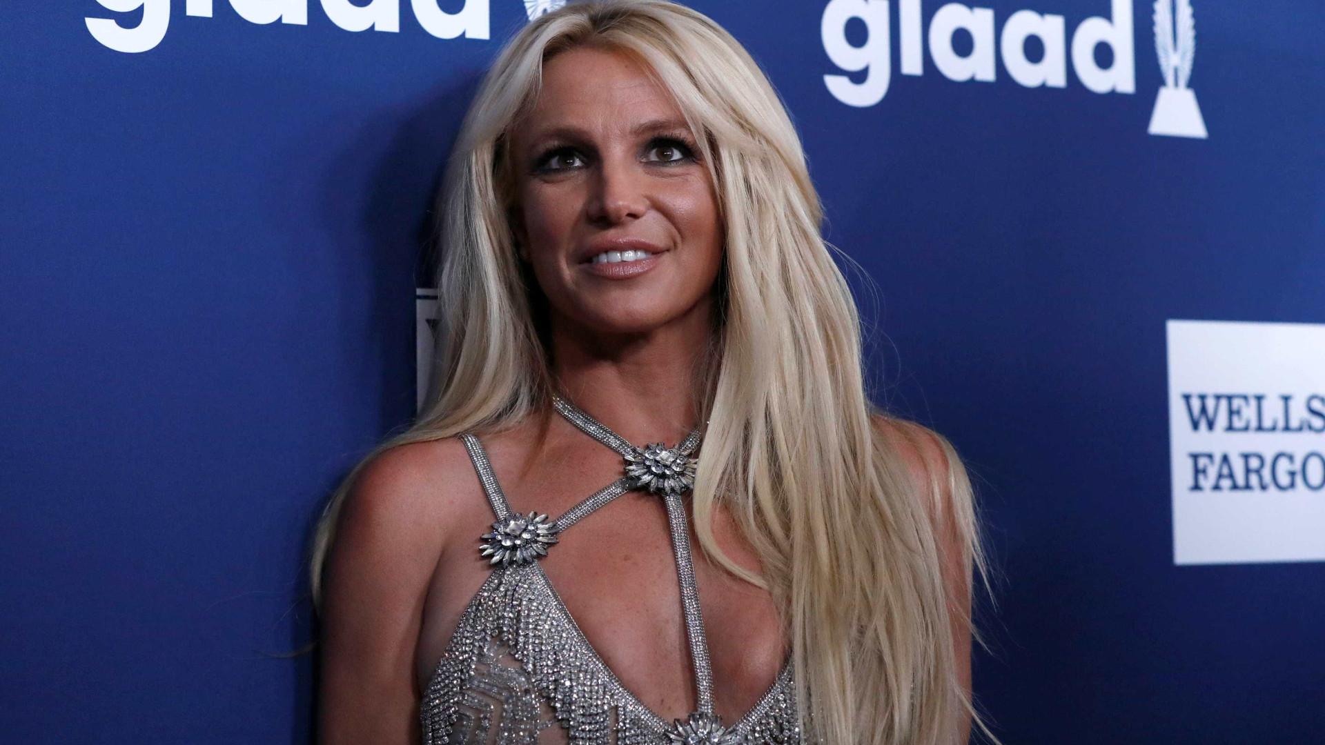 Britney Spears é internada por intenso desgaste emocional
