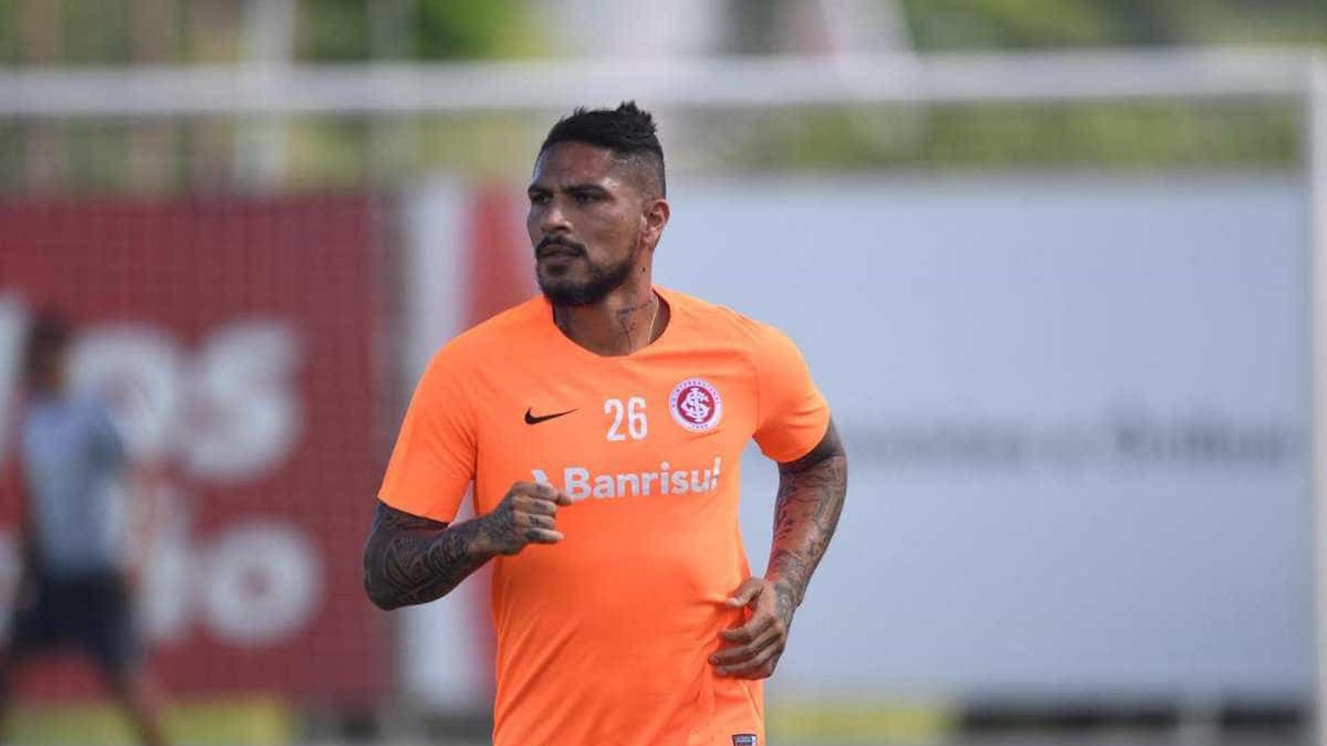 Liberado de treino do Inter, Guerrero viaja para enterro de sobrinho