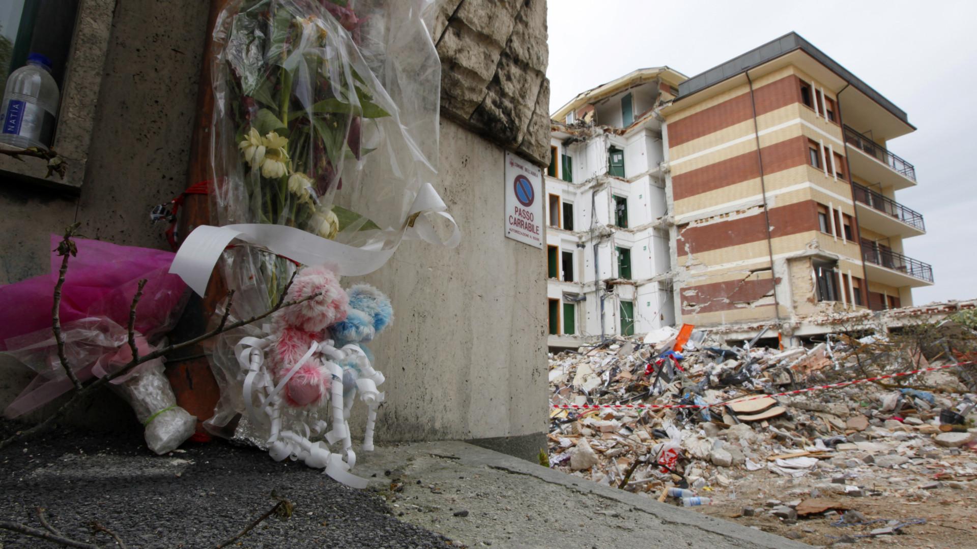 10 anos após terremoto, L'Aquila ainda aguarda reconstrução