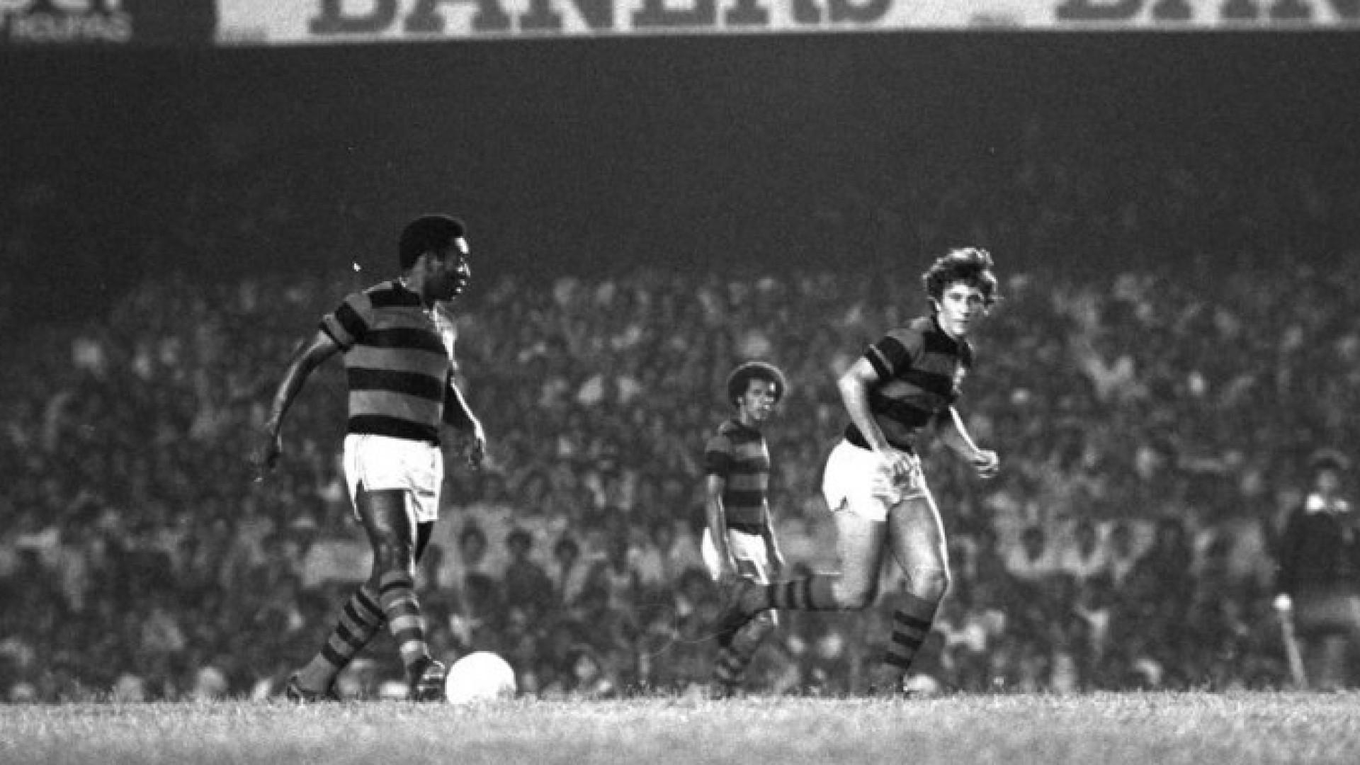 Há 40 anos, Pelé vestiu a 10 do Fla e negou pênalti no Maracanã