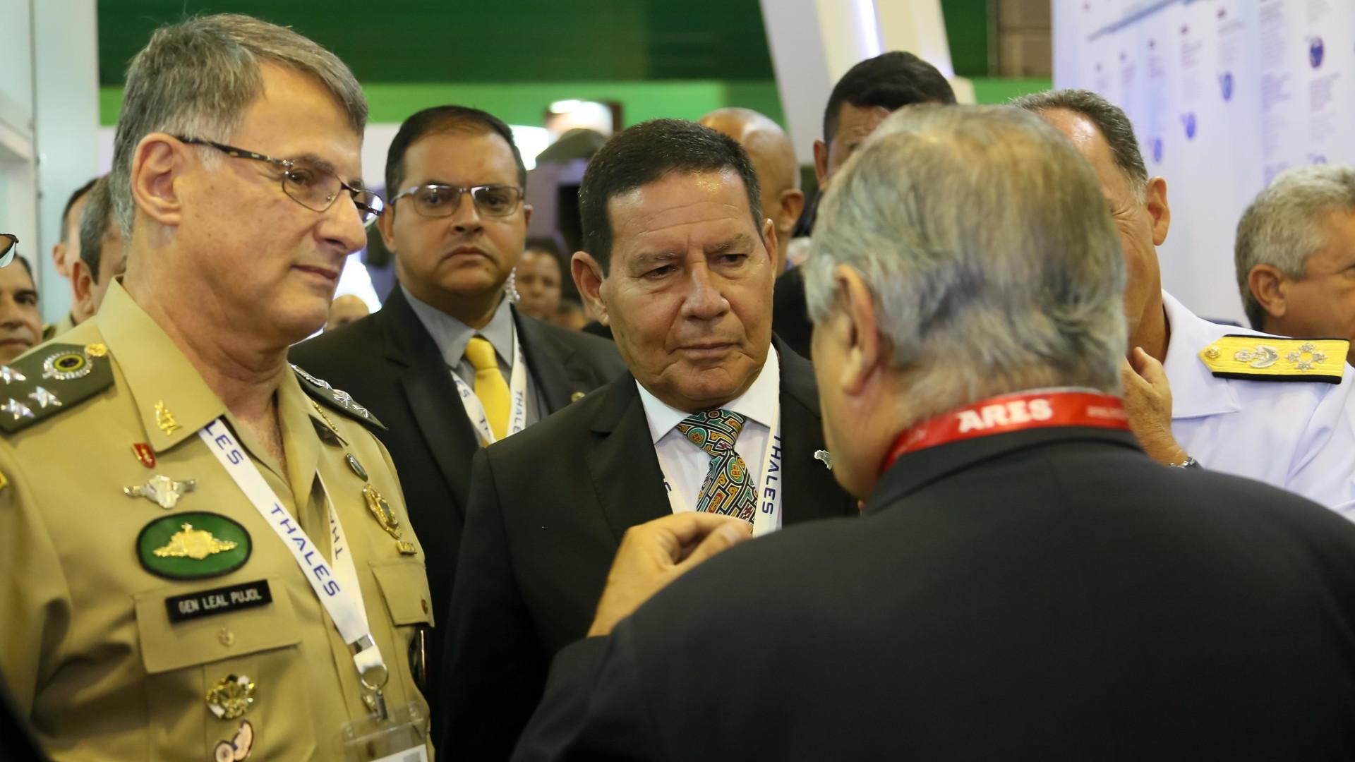 Feira retrata empolgação do setor de Defesa com governo Bolsonaro
