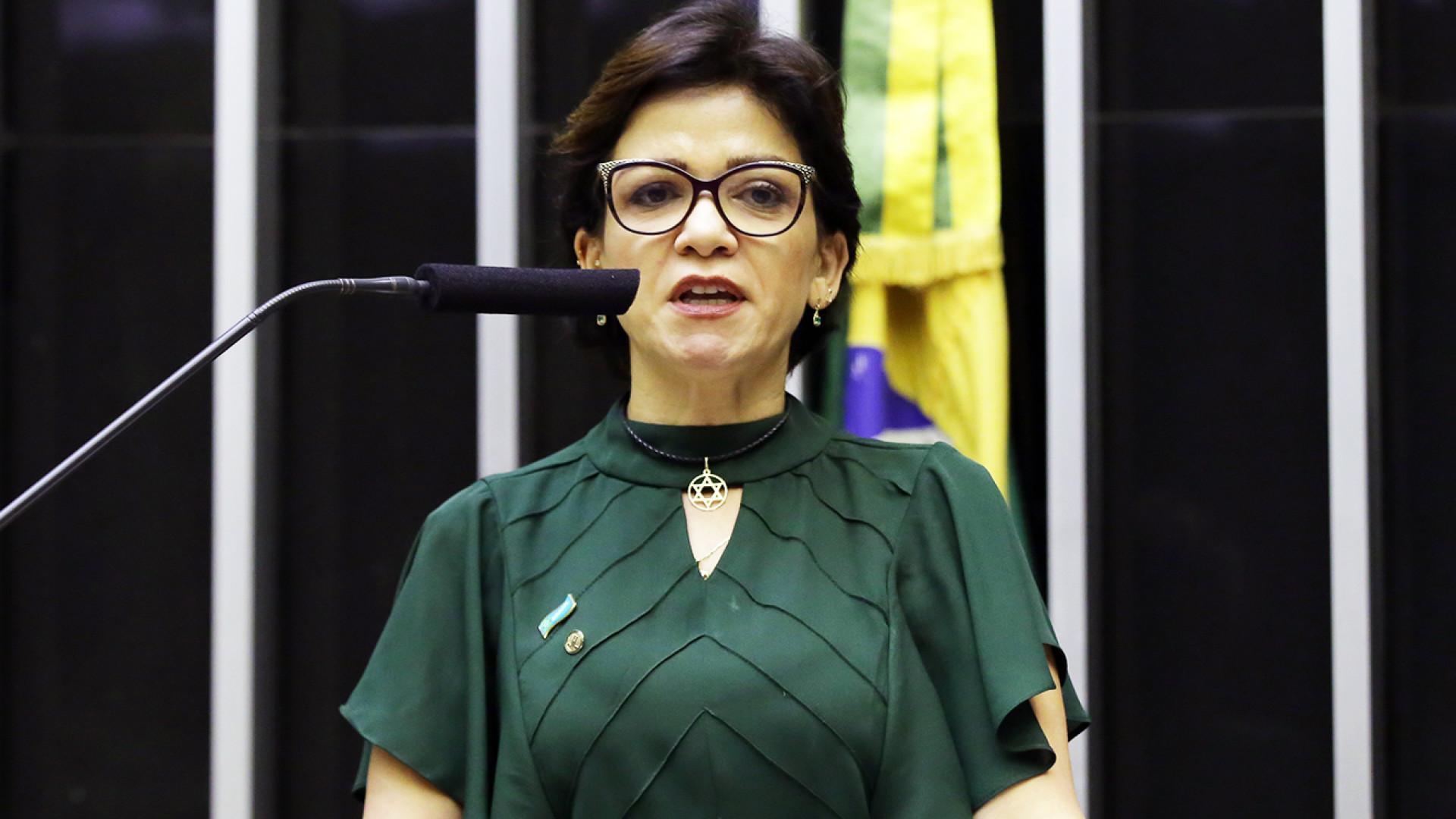 Deputada depõe à PF sobre laranjas do PSL e acusa ministro do Turismo
