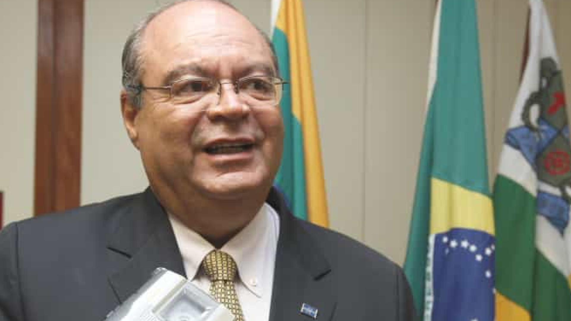 Empresário se suicida na frente de ministro em Aracaju