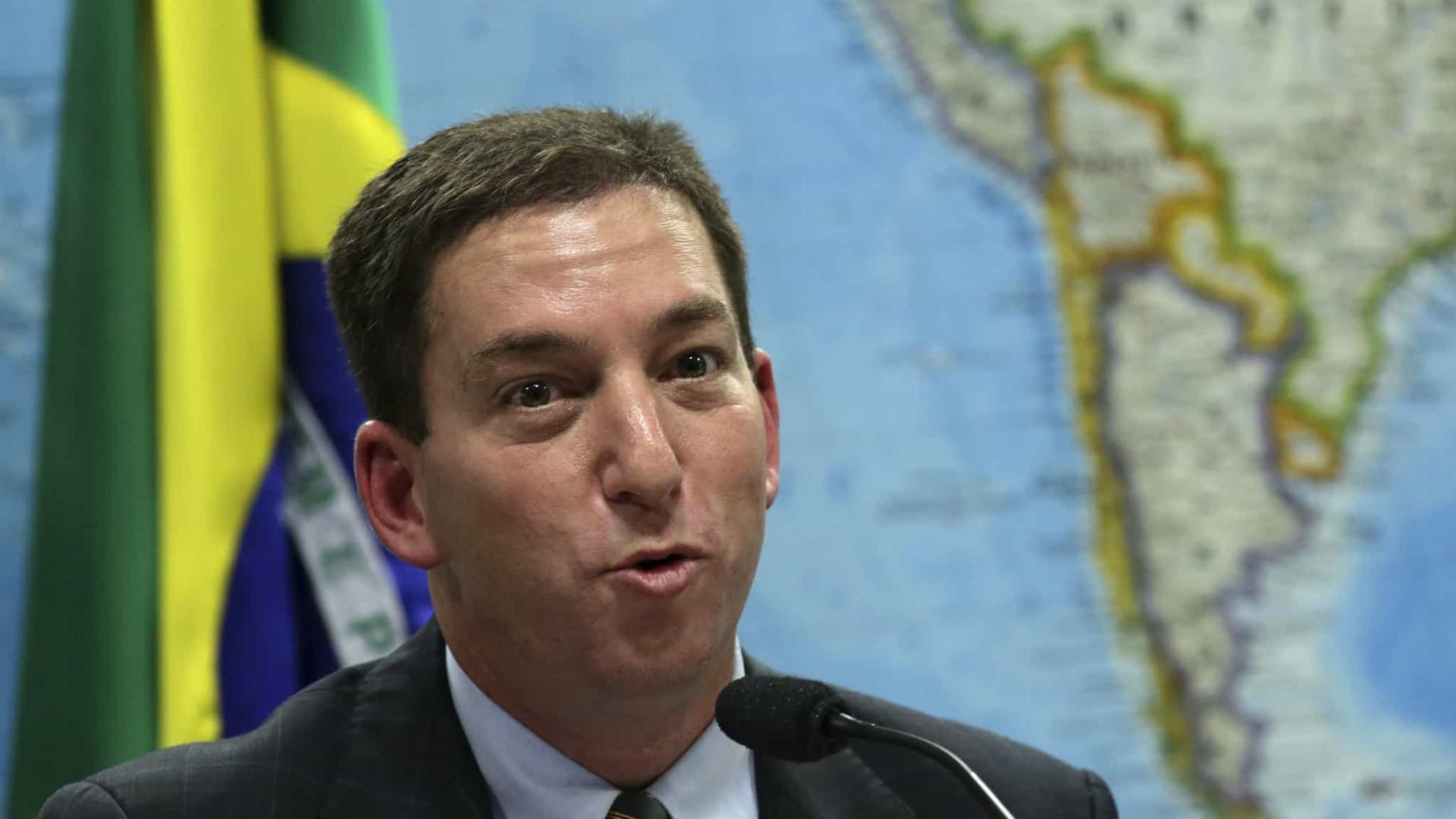 Quarenta advogados se reúnem com Glenn Greenwald no Rio