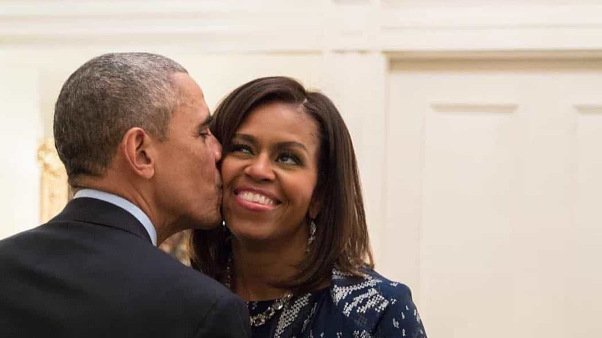 Barack e Michelle Obama comemoram 27 de casamento